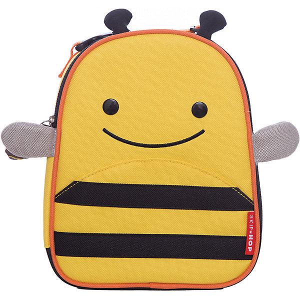 Ланч-бокс Пчела, Skip HopТермосумки и термосы<br>Характеристики товара:<br><br>• возраст от 3 лет;<br>• материал: полиэстер;<br>• размер сумки 20х23х8 см;<br>• размер упаковки 20х24х9 см;<br>• вес упаковки 215 гр.;<br>• страна производитель: Китай.<br><br>Ланч-бокс «Собака» Skip Hop — незаменимый аксессуар для хранения продуктов на пикнике, в путешествии, на прогулке. Сумочка выполнена в виде собачки с ушками и глазками. Сумка сохраняет тепло и холод, поэтому все продукты останутся свежими. Внутри имеется небольшой сетчатый кармашек для столовых приборов. Для переноски предусмотрена тканевая регулируемая ручка. Сумка изготовлена из прочного износостойкого материала.<br><br>Ланч-бокс «Собака» Skip Hop можно приобрести в нашем интернет-магазине.<br>Ширина мм: 200; Глубина мм: 90; Высота мм: 240; Вес г: 215; Возраст от месяцев: 24; Возраст до месяцев: 72; Пол: Унисекс; Возраст: Детский; SKU: 5608252;
