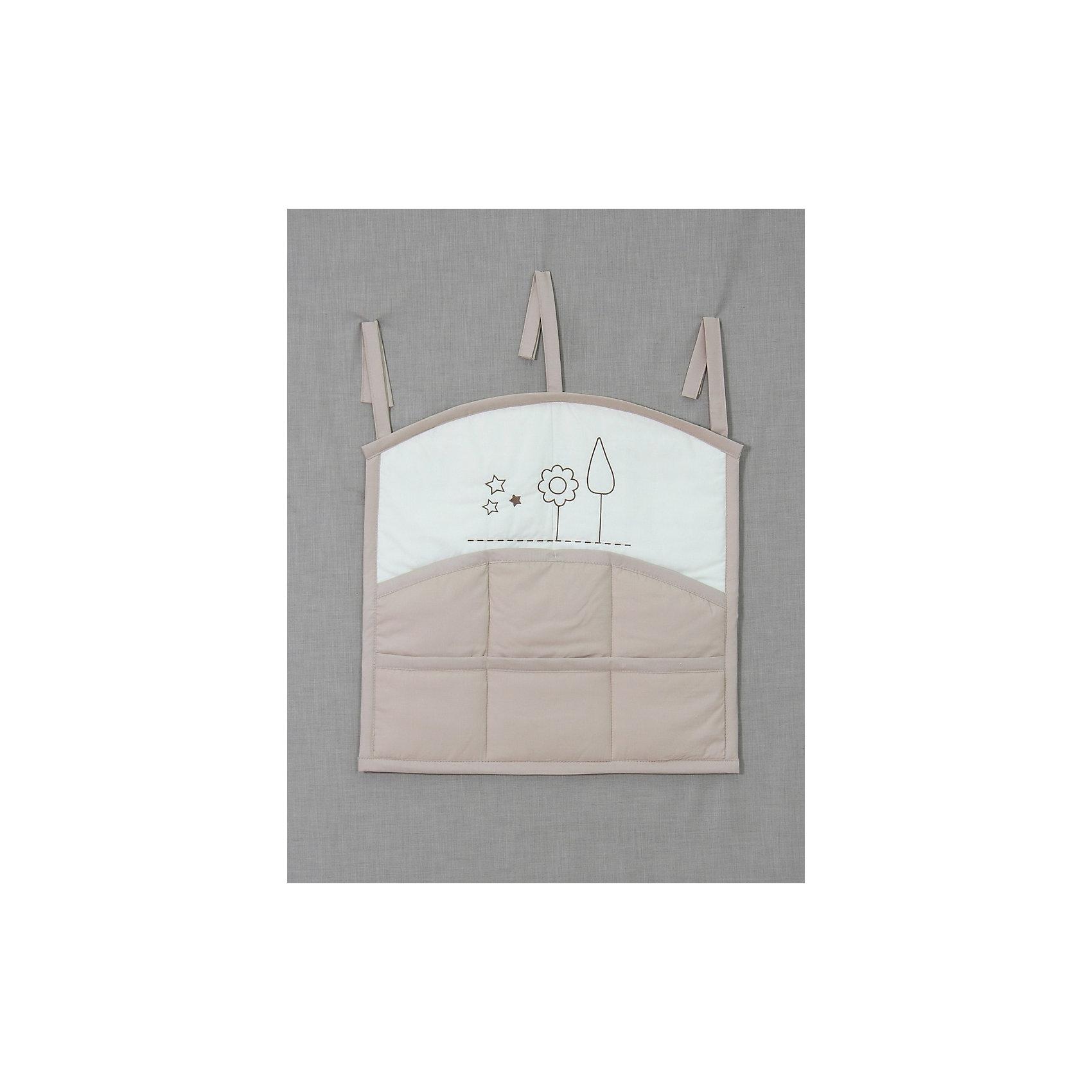 Карман на кроватку  Я и моя мама, FairyПостельное бельё<br>Характеристики товара:<br><br>• возраст с рождения;<br>• материал: хлопок;<br>• размер 59х60 см;<br>• 6 карманов;<br>• крепится с помощью 3 завязок<br>• размер упаковки 35х25х5 см;<br>• вес упаковки 300 гр.;<br>• страна производитель: Россия.<br><br>Карман для кроватки «Я и моя мама» Fairy позволяет маме иметь все необходимые вещи по уходу ха ребенком — салфетки, подгузники, игрушки, соски — всегда под рукой. При помощи 3 завязок карман крепится на кроватку. Предусмотрено 6 карманов для различных предметов. Карман изготовлен из качественного натурального хлопка.<br><br>Карман для кроватки «Я и моя мама» Fairy можно приобрести в нашем интернет-магазине.<br><br>Ширина мм: 590<br>Глубина мм: 600<br>Высота мм: 100<br>Вес г: 300<br>Возраст от месяцев: 0<br>Возраст до месяцев: 36<br>Пол: Унисекс<br>Возраст: Детский<br>SKU: 5610107