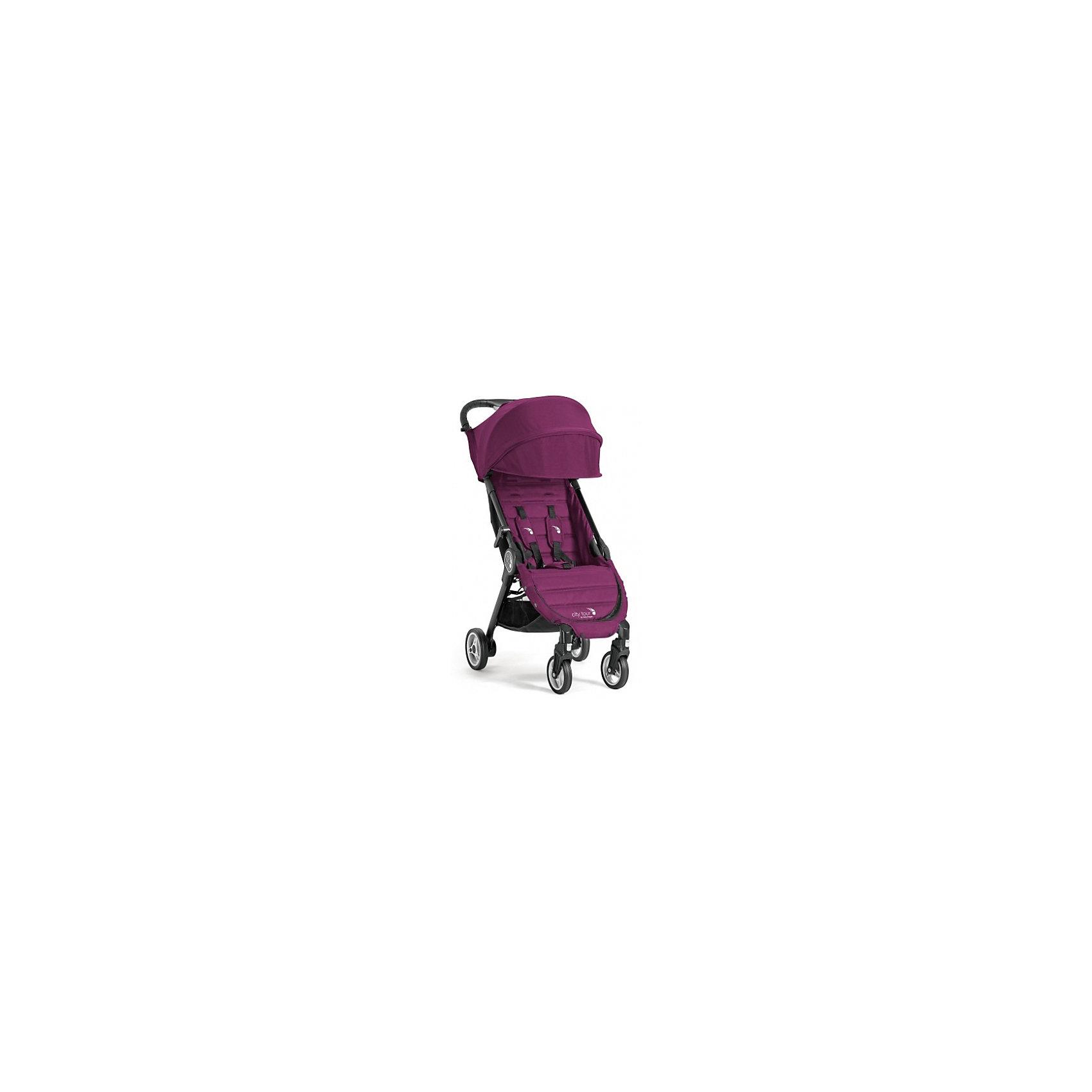 Прогулочная коляска Baby Jogger City Tour, фиолетовыйПрогулочные коляски<br>Характеристики:<br><br>• регулируется положение спинки, угол наклона 150 градусов;<br>• регулируемая подножка;<br>• 5-ти точечные ремни безопасности;<br>• дополнительная секция на капюшоне;<br>• смотровое окошко;<br>• солнцезащитный козырек;<br>• защитный бампер снимается;<br>• поворотные передние колеса с фиксацией;<br>• тормоз – стопор задних колес;<br>• корзина для покупок;<br>• коляска складывается одной рукой – система Quickfold;<br>• механизм складывания: книжка;<br>• в комплекте имеется сумка для переноски коляски.<br><br>Размеры: <br><br>• размер коляски: 91х45х23 см;<br>• размер коляски в сложенном виде: 56х45х23 см;<br>• ширина сиденья: 30 см;<br>• глубина сиденья: 21 см;<br>• высота спинки: 44 см;<br>• длина подножки: 21 см;<br>• высота посадки: 40 см;<br>• диаметр колес: 12,5 см, 14,5 см;<br>• вес коляски: 6,4 кг.<br><br>Прогулочная коляска для путешествий легко складывается одной рукой, имеет компактные размеры, транспортируется в сумке-рюкзаке для переноски. Незначительные размеры коляски позволяют представить багаж в виде ручной клади, чтобы сразу после перелета разложить коляску и дать возможность ребенку отдохнуть после самолета. <br><br>Прогулочную коляску City Tour, Baby Jogger можно купить в нашем интернет-магазине.<br><br>Ширина мм: 425<br>Глубина мм: 550<br>Высота мм: 200<br>Вес г: 8200<br>Возраст от месяцев: 6<br>Возраст до месяцев: 36<br>Пол: Женский<br>Возраст: Детский<br>SKU: 5613097