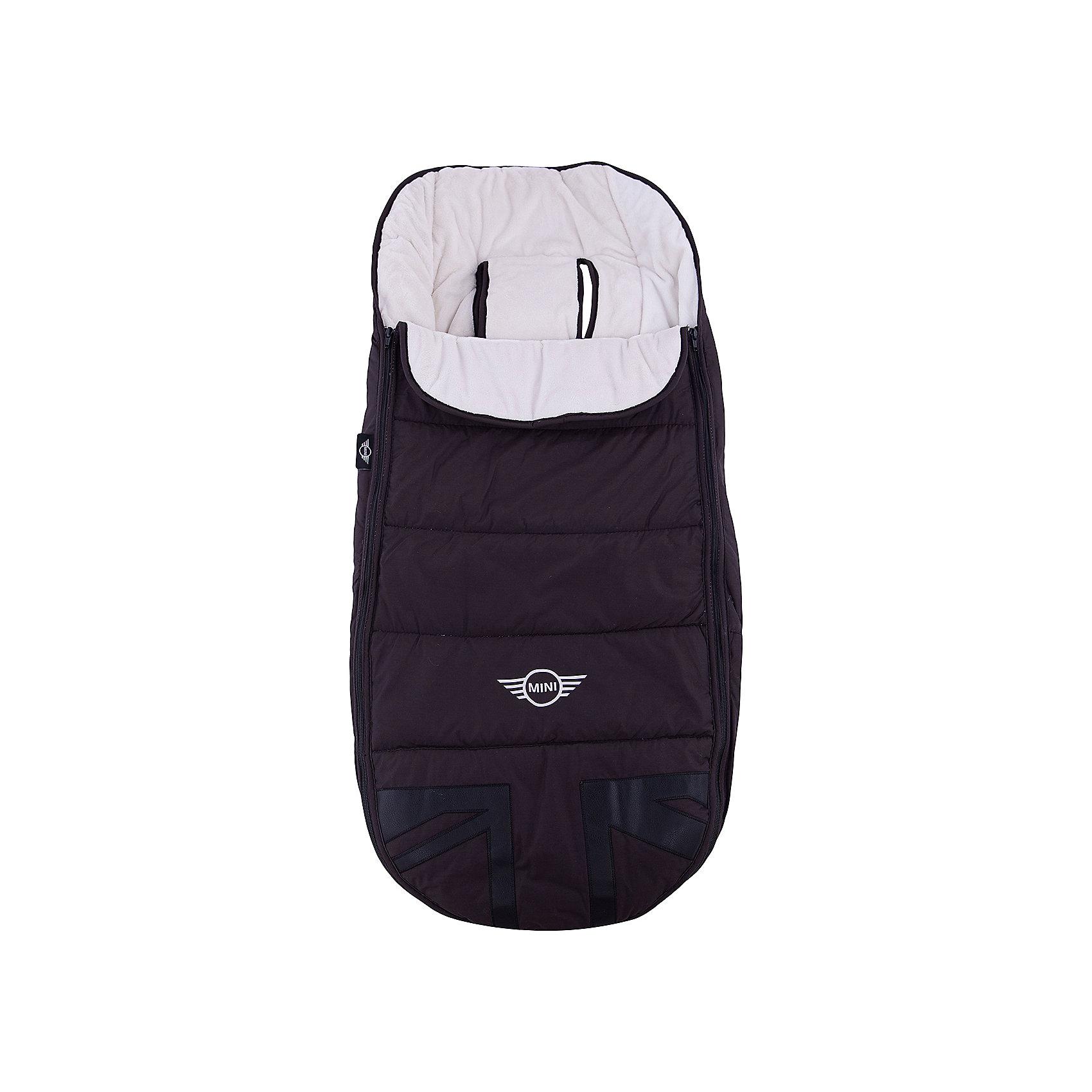 Конверт в коляску MINI, Easywalke, Midnight JackДемисезонные конверты<br>Характеристики:<br><br>• подходит для колясок Easywalke MINI;<br>• ткань 100% полиэстер с водоотталкивающей пропиткой;<br>• мягкая хлопковая ткань внутри конверта;<br>• флисовая подкладка;<br>• конверт застегивается на молнию – 2 боковые молнии;<br>• прорези для ремней безопасности;<br>• можно использовать как матрасик;<br>• размер конверта-муфты: 93х47 см.<br><br>Утепленный конверт на флисовой подкладке можно использовать в прогулочных блоках, люльках, колясках-санках и автокреслах. Две застежки-молнии расположены в боковой части конверта, обеспечивают быстрый доступ к ребенку.<br><br>Накидку на ноги в коляску MINI Midnight Jack, Easywalker можно купить в нашем интернет-магазине.<br><br>Ширина мм: 500<br>Глубина мм: 100<br>Высота мм: 300<br>Вес г: 1050<br>Возраст от месяцев: 0<br>Возраст до месяцев: 36<br>Пол: Унисекс<br>Возраст: Детский<br>SKU: 5613108