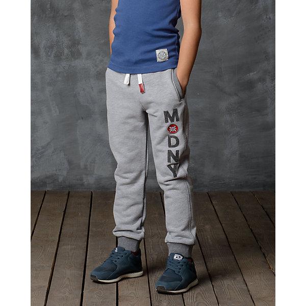 Брюки для мальчика Modniy JukБрюки<br>Характеристики товара:<br><br>• цвет: серый<br>• состав: 70% хлопок, 30% полиэстер<br>• спортивный силуэт<br>• карманы<br>• пояс - мягкая резинка<br>• манжеты<br>• логотип<br>• шнурок в поясе<br><br>• страна бренда: Российская Федерация<br>• страна производства: Российская Федерация<br><br>Модели одежды из новой коллекции от бренда Модный жук - это стильные и удобные вещи, созданные специально для детей. Они отличаются продуманным дизайном, качественными материалами и комфортной посадкой. Дети носят их с удовольствием! Стильные брюки спортивного силуэта - хит сезона, отличный вариант базовой вещи для разной погоды. Они отлично сочетаются с майками, футболками, куртками. Хорошо сидят по фигуре.<br>Одежда и аксессуары от российского бренда Модный жук - это способ пополнить гардероб ребенка модными изделиями по доступной цене. Для их производства используются только безопасные, проверенные материалы и фурнитура. Новая коллекция поддерживает хорошие традиции бренда! <br><br>Брюки для мальчика от популярного бренда Модный жук можно купить в нашем интернет-магазине.<br><br>Ширина мм: 215<br>Глубина мм: 88<br>Высота мм: 191<br>Вес г: 336<br>Цвет: серый<br>Возраст от месяцев: 12<br>Возраст до месяцев: 18<br>Пол: Мужской<br>Возраст: Детский<br>Размер: 86,110,104,98,92<br>SKU: 5613601