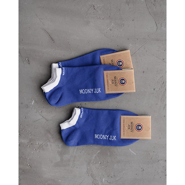 Носки (3 пары) для мальчика Modniy JukНоски<br>Характеристики товара:<br><br>• цвет: синий<br>• состав: 88% хлопок, 10% полиамид, 2% эластан<br>• комплектация: 3 пары<br>• усиленный мысок и пятка<br>• мягкий материал<br>• эластичные<br>• удобные<br>• комфортная посадка<br><br>• страна бренда: Российская Федерация<br>• страна производства: Российская Федерация<br><br>Модели одежды из новой коллекции от бренда Модный жук - это стильные и удобные вещи, созданные специально для детей. Они отличаются продуманным дизайном, качественными материалами и комфортной посадкой. Дети носят их с удовольствием! Такие носки обеспечат ребенку комфорт благодаря мягкому материалу с преобладанием хлопка в составе. Они отлично сочетаются с разной одеждой и обувью, долго служат.<br>Одежда и аксессуары от российского бренда Модный жук - это способ пополнить гардероб ребенка модными изделиями по доступной цене. Для их производства используются только безопасные, проверенные материалы и фурнитура. Новая коллекция поддерживает хорошие традиции бренда! <br><br>Носки для мальчика от популярного бренда Модный жук можно купить в нашем интернет-магазине.<br>Ширина мм: 87; Глубина мм: 10; Высота мм: 105; Вес г: 115; Цвет: синий; Возраст от месяцев: 84; Возраст до месяцев: 108; Пол: Мужской; Возраст: Детский; Размер: 23,20,26; SKU: 5613934;