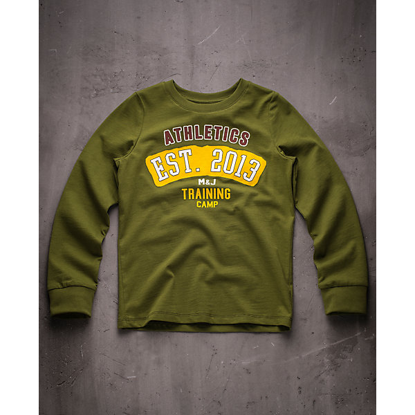Футболка с длинным рукавом для мальчика Modniy JukФутболки с длинным рукавом<br>Характеристики товара:<br><br>• цвет: зеленый<br>• состав: 100% хлопок<br>• длинные рукава<br>• мягкий материал<br>• круглый вырез горловины<br>• манжеты<br>• принт<br><br>• страна бренда: Российская Федерация<br>• страна производства: Российская Федерация<br><br>Модели одежды из новой коллекции от бренда Модный жук - это стильные и удобные вещи, созданные специально для детей. Они отличаются продуманным дизайном, качественными материалами и комфортной посадкой. Дети носят их с удовольствием! Принтованная футболка с длинным рукавом - хит сезона, отличный вариант базовой вещи для разной погоды. Она отлично сочетается с джинсами и брюками, хорошо сидит по фигуре.<br>Одежда и аксессуары от российского бренда Модный жук - это способ пополнить гардероб ребенка модными изделиями по доступной цене. Для их производства используются только безопасные, проверенные материалы и фурнитура. Новая коллекция поддерживает хорошие традиции бренда! <br><br>Футболку с длинным рукавом для мальчика от популярного бренда Модный жук можно купить в нашем интернет-магазине.<br><br>Ширина мм: 230<br>Глубина мм: 40<br>Высота мм: 220<br>Вес г: 250<br>Цвет: зеленый<br>Возраст от месяцев: 132<br>Возраст до месяцев: 144<br>Пол: Мужской<br>Возраст: Детский<br>Размер: 152,134/140,146<br>SKU: 5614172