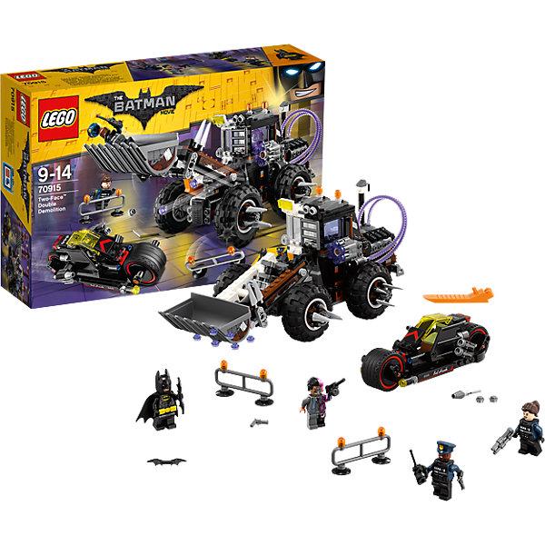 LEGO Batman Movie 70915: Разрушительное нападение ДвуликогоПластмассовые конструкторы<br>Характеристики товара: <br><br>• возраст: от 9 лет;<br>• материал: пластик;<br>• в комплекте: 564 детали, 4 минифигурки;<br>• размер упаковки: 38,2х26,2х9,4 см;<br>• вес упаковки: 890 гр.;<br>• страна производитель: Чехия.<br><br>Конструктор Lego Batman Movie «Разрушительное нападение Двуликого» из серии Lego Batman, посвященной известному супергерою. Из деталей собираются мотоцикл Бэтмена и экскаватор его противника Двуликого. У экскаватора вращающиеся колеса, оснащенные шипами для защиты. Спереди ковш, который поднимется и опускается. Сбоку пушка, стреляющая снарядами. <br><br>Конструктор Lego Batman Movie «Разрушительное нападение Двуликого» можно приобрести в нашем интернет-магазине.<br>Ширина мм: 385; Глубина мм: 261; Высота мм: 101; Вес г: 909; Возраст от месяцев: 108; Возраст до месяцев: 168; Пол: Мужской; Возраст: Детский; SKU: 5620007;