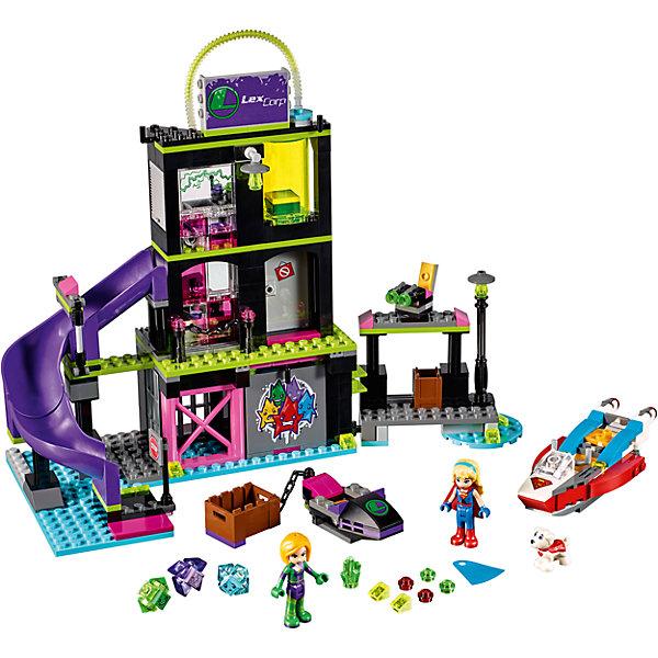 Конструктор Lego DC Super Girls 41238: Фабрика Криптомитов Лены ЛюторПластмассовые конструкторы<br>Характеристики товара:<br><br>• возраст: от 7 лет;<br>• материал: пластик;<br>• в комплекте: 432 детали;<br>• количество минифигурок: 2<br>• размер упаковки: 38,2х26,2х7 см;<br>• вес упаковки: 800 гр.;<br>• страна производитель: Китай.<br><br>Конструктор Lego DC Super Girls «Фабрика Криптомитов Лены Лютор» создан по мотивам вселенной DC Comics. Из деталей конструктора предстоит собрать фигурку злодейки Лены Лютор и ее фабрику по производству Криптомитов. Криптомиты — маленькие существа, созданные из пыли криптона и способные уменьшать силы известных супергероинь. На фабрике имеются наблюдательный пункт и клетка для заложников.<br><br>С персонажами девочка сможет придумать свои собственные сюжеты для игры. Сборка конструктора развивает у детей внимательность, усидчивость, мелкую моторику рук.<br><br>Конструктор Lego DC Super Girls «Фабрика Криптомитов Лены Лютор» можно приобрести в нашем интернет-магазине.<br>Ширина мм: 382; Глубина мм: 262; Высота мм: 71; Вес г: 808; Возраст от месяцев: 84; Возраст до месяцев: 2147483647; Пол: Женский; Возраст: Детский; SKU: 5620036;