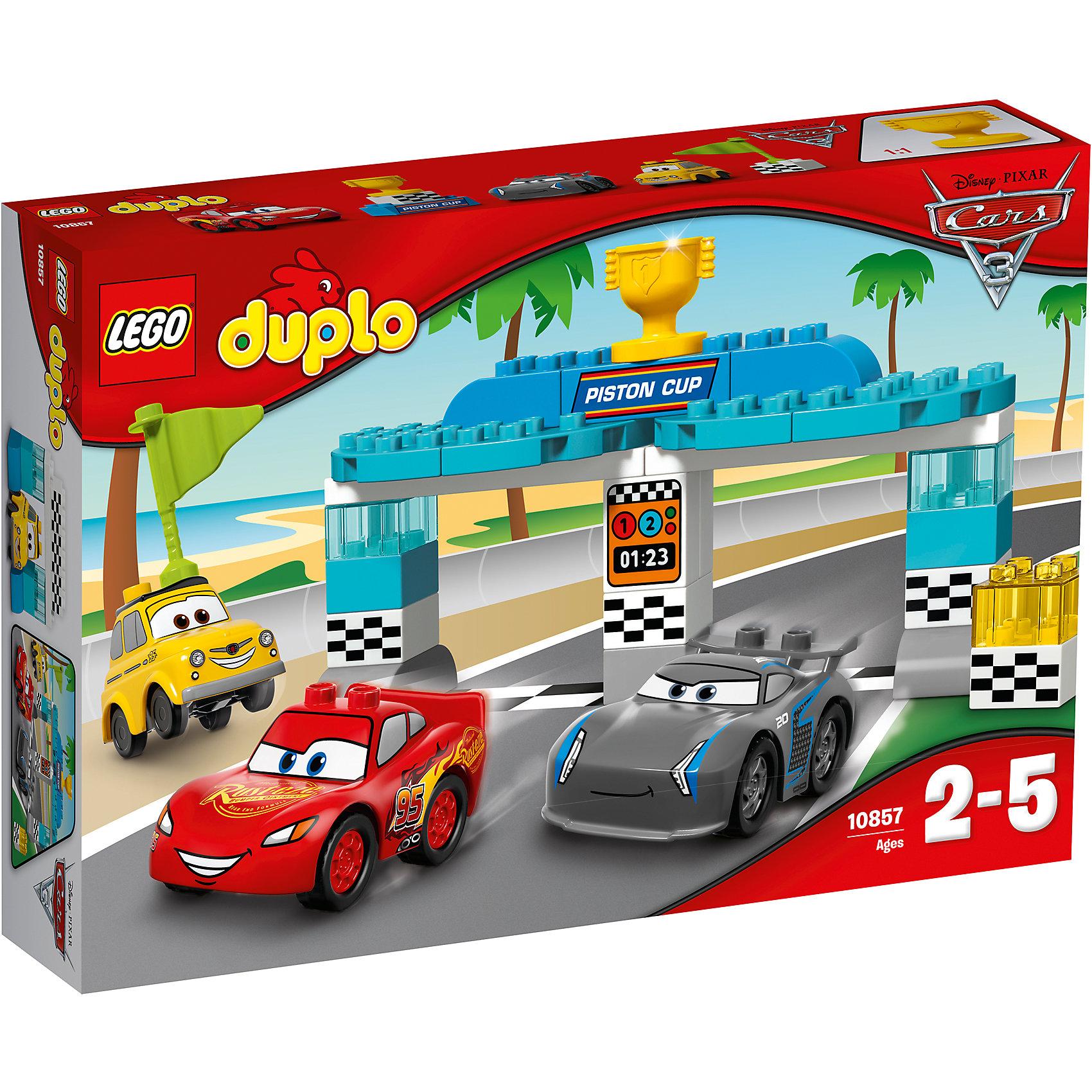 Конструктор Lego Duplo 10857 Тачки 3: Гонка за Кубок ПоршняПластмассовые конструкторы<br>Характеристики товара:<br><br>• возраст: от 2 лет;<br>• материал: пластик;<br>• в комплекте: 31 деталь, инструкция;<br>• размер упаковки: 26,2х38,2х7,1 см;<br>• вес упаковки: 565 гр.;<br>• страна производитель: Китай.<br><br>Конструктор Lego Duplo «Гонка за Кубок Поршня» создан по мотивам мультфильма «Тачки 3». Молния МакКуин и Джексон Шторм сражаются за главный приз гонок — Кубок Поршня. Начинать гонку им предстоит у стартовых ворот, на которых сверху находится главный трофей за победу. Старт им дает Луиджи, махнув флажком.<br><br>Из элементов предстоит собрать 3 машинки и стартовые ворота. Все детали конструктора созданы из качественных безопасных материалов. В процессе сборки у ребенка развивается мелкая моторика рук, усидчивость, логическое мышление.<br><br>Конструктор Lego Duplo «Гонка за Кубок Поршня» можно приобрести в нашем интернет-магазине.<br><br>Ширина мм: 384<br>Глубина мм: 261<br>Высота мм: 76<br>Вес г: 568<br>Возраст от месяцев: 24<br>Возраст до месяцев: 2147483647<br>Пол: Мужской<br>Возраст: Детский<br>SKU: 5620067