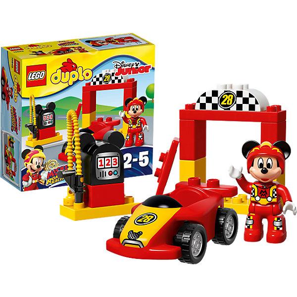 LEGO DUPLO 10843: Гоночная машина МиккиПластмассовые конструкторы<br>Характеристики товара: <br><br>• возраст: от 2 лет;<br>• материал: пластик;<br>• в комплекте: 15 деталей, 1 минифигурка;<br>• размер упаковки: 20,5х19,1х7,3 см;<br>• вес упаковки: 265 гр.;<br>• страна производитель: Китай.<br><br>Конструктор Lego Duplo «Гоночная машина Микки» позволит собрать гоночную машинку и пит-стоп. За рулем машинки любимый персонаж Микки Маус, он одел форму гонщика и готовится к соревнованиям. Из деталей собирается пит-стоп с цифрой 28, где гонщик останавливается на досмотр машины, а также заправочная станция. У машинки вращающиеся резиновые колеса, благодаря которым она ездит по поверхности. Фигурку Микки можно посадить в кабину автомобиля.<br><br>Конструктор Lego Duplo «Гоночная машина Микки» можно приобрести в нашем интернет-магазине.<br>Ширина мм: 207; Глубина мм: 190; Высота мм: 76; Вес г: 267; Возраст от месяцев: 24; Возраст до месяцев: 60; Пол: Мужской; Возраст: Детский; SKU: 5620071;