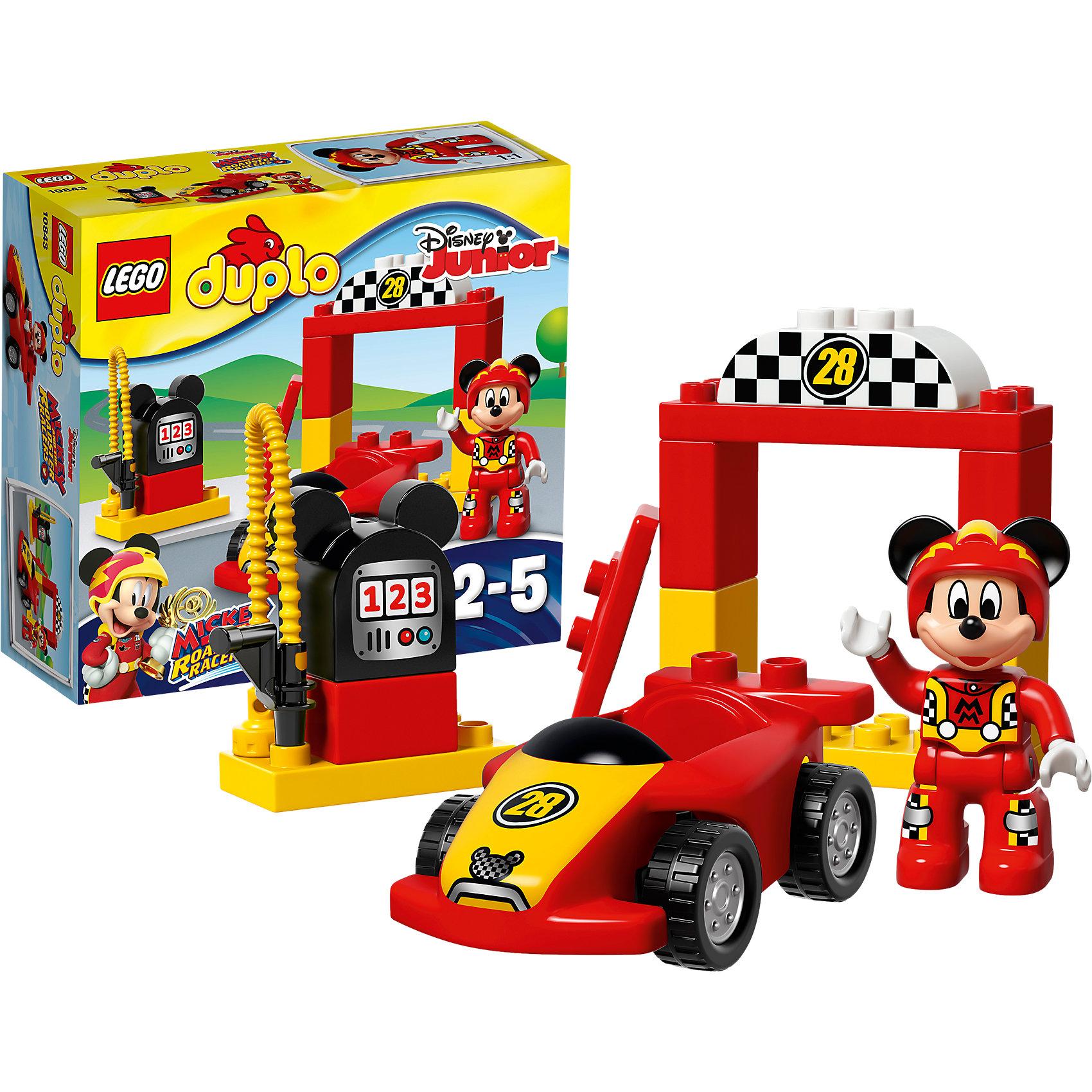 LEGO DUPLO 10843: Гоночная машина МиккиКонструкторы для малышей<br>Характеристики товара: <br><br>• возраст: от 2 лет;<br>• материал: пластик;<br>• в комплекте: 15 деталей, 1 минифигурка;<br>• размер упаковки: 20,5х19,1х7,3 см;<br>• вес упаковки: 265 гр.;<br>• страна производитель: Китай.<br><br>Конструктор Lego Duplo «Гоночная машина Микки» позволит собрать гоночную машинку и пит-стоп. За рулем машинки любимый персонаж Микки Маус, он одел форму гонщика и готовится к соревнованиям. Из деталей собирается пит-стоп с цифрой 28, где гонщик останавливается на досмотр машины, а также заправочная станция. У машинки вращающиеся резиновые колеса, благодаря которым она ездит по поверхности. Фигурку Микки можно посадить в кабину автомобиля.<br><br>Конструктор Lego Duplo «Гоночная машина Микки» можно приобрести в нашем интернет-магазине.<br><br>Ширина мм: 206<br>Глубина мм: 192<br>Высота мм: 76<br>Вес г: 261<br>Возраст от месяцев: 24<br>Возраст до месяцев: 60<br>Пол: Мужской<br>Возраст: Детский<br>SKU: 5620071