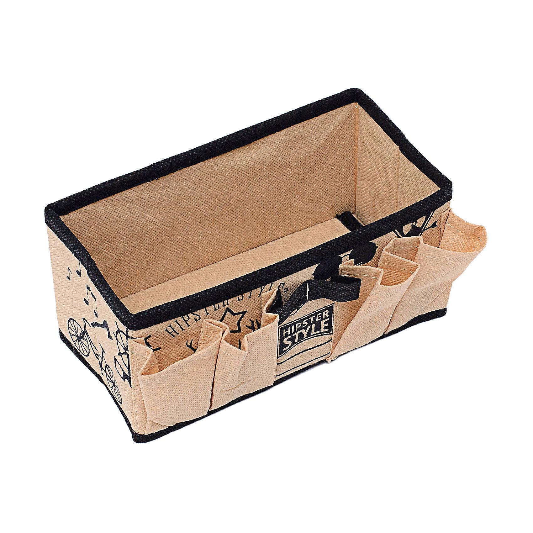 Органайзер для украшений и мелочей (20*10*10) Hipster Style, HomsuОрганайзеры для одежды<br>Характеристики товара:<br><br>• цвет: бежевый<br>• материал: полиэстер, картон<br>• размер: 20х10х10 см<br>• вес: 100 г<br>• легкий прочный каркас<br>• обеспечивает естественную вентиляцию<br>• вместимость: 5 отделений<br>• страна бренда: Россия<br>• страна изготовитель: Китай<br><br>Органайзер для украшений и мелочей Hipster Style от бренда Homsu (Хомсу) - очень удобная вещь для хранения вещей и эргономичной организации пространства.<br><br>Предмет легкий, устойчивый, вместительный, обеспечивает естественную вентиляцию.<br><br>Органайзер для украшений и мелочей (20*10*10) Hipster Style, Homsu можно купить в нашем интернет-магазине.<br><br>Ширина мм: 200<br>Глубина мм: 100<br>Высота мм: 20<br>Вес г: 100<br>Возраст от месяцев: 216<br>Возраст до месяцев: 1188<br>Пол: Унисекс<br>Возраст: Детский<br>SKU: 5620134