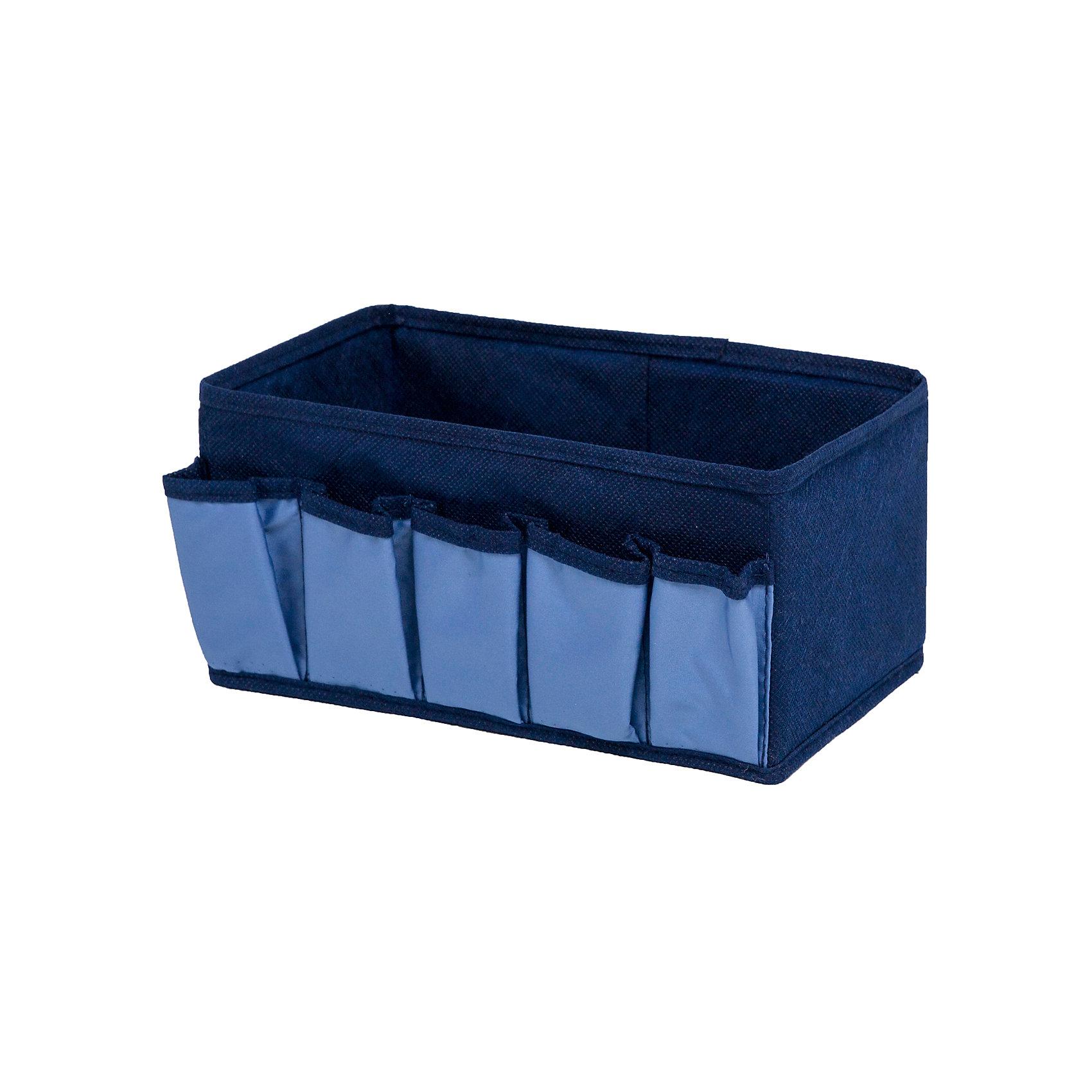 Коробочка для косметики и мелочей Blue sky, HomsuПорядок в детской<br>Характеристики товара:<br><br>• цвет: синий<br>• материал: полиэстер, картон<br>• размер: 25х15х12 см<br>• вес: 100 г<br>• легкий прочный каркас<br>• обеспечивает естественную вентиляцию<br>• вместимость: 6 отделений<br>• страна бренда: Россия<br>• страна изготовитель: Китай<br><br>Коробочка для косметики и мелочей Blue sky от бренда Homsu (Хомсу) - очень удобная вещь для хранения вещей и эргономичной организации пространства.<br><br>Предмет легкий, устойчивый, вместительный, обеспечивает естественную вентиляцию.<br><br>Коробочку для косметики и мелочей Blue sky, Homsu можно купить в нашем интернет-магазине.<br><br>Ширина мм: 420<br>Глубина мм: 150<br>Высота мм: 20<br>Вес г: 100<br>Возраст от месяцев: 216<br>Возраст до месяцев: 1188<br>Пол: Унисекс<br>Возраст: Детский<br>SKU: 5620226