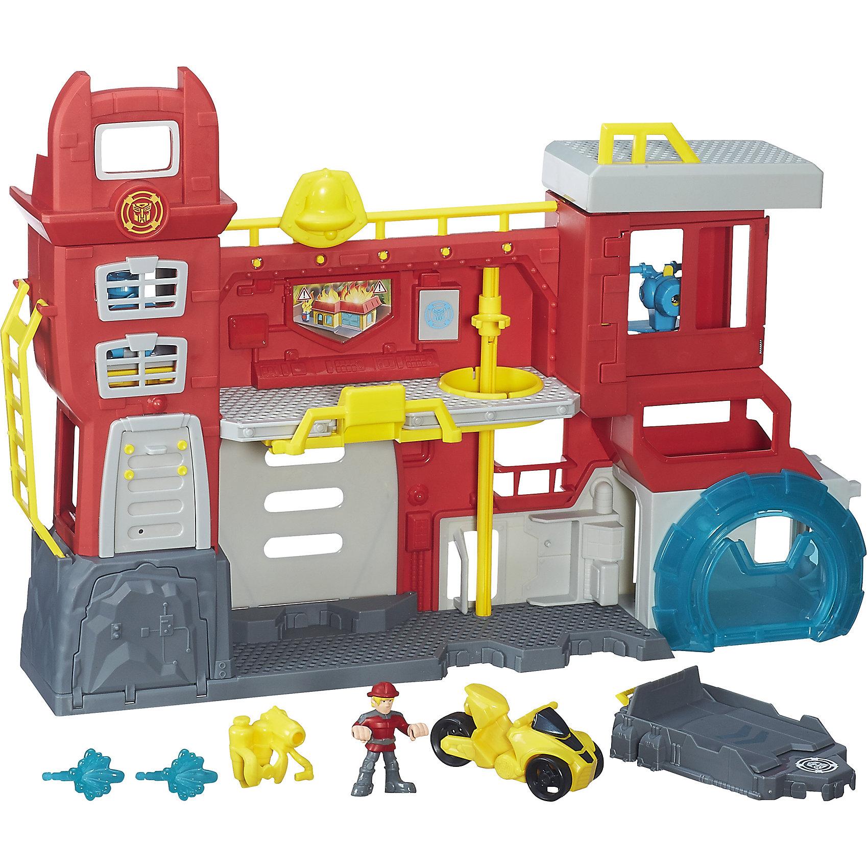 Трансформеры спасатели Штаб Спасателей, Playskool heroes, HasbroИдеи подарков<br>Характеристики товара:<br><br>• возраст от 3 лет;<br>• материал: пластик;<br>• в комплекте: штаб, 2 фигурки, машина;<br>• размер штаба 52,5х30,5х6,8 см;<br>• размер упаковки 57,8х21,9х42,2 см;<br>• вес упаковки 1,66 кг;<br>• страна производитель: Китай.<br><br>Игровой набор «Трансформеры-спасатели: Штаб спасателей» Playskool heroes Hasbro создан по мотивам мультсериала «Трансформеры: роботы-спасатели». Он представляет собой настоящий штаб спасателей с пожарной станцией и насосом для тушения пожаров. На второй этаж можно добраться по приставной лестницы, а спуститься быстро по шесту. Наверху имеется площадка для посадки вертолета. В процессе игры мальчишки могут воспроизводить сценки из мультфильма или придумывать свои собственные истории.<br><br>Игровой набор «Трансформеры-спасатели: Штаб спасателей» Playskool heroes Hasbro можно приобрести в нашем интернет-магазине.<br><br>Ширина мм: 578<br>Глубина мм: 219<br>Высота мм: 422<br>Вес г: 1665<br>Возраст от месяцев: 36<br>Возраст до месяцев: 84<br>Пол: Мужской<br>Возраст: Детский<br>SKU: 5622046
