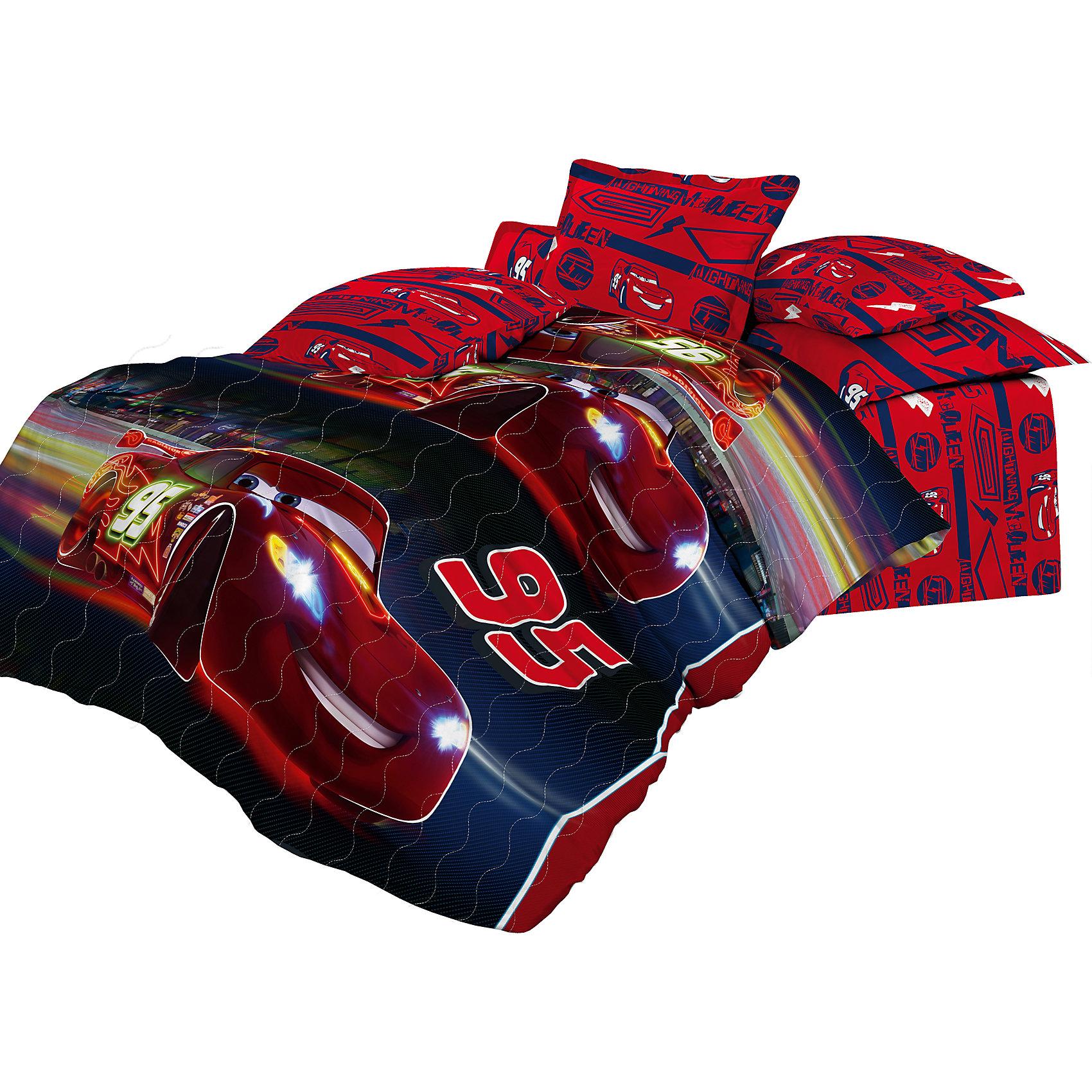 Покрывало стеганое 145*200 Тачки Ночная гонка, НепоседаДомашний текстиль<br>Характеристики:<br><br>• Вид домашнего текстиля: покрывало<br>• Тип постельного белья по размерам: 1,5 спальное<br>• Материал: хлопок, 100%<br>• Наполнитель: силиконизированное волокно (софт)<br>• Тематика рисунка: Тачки<br>• Размеры (Ш*Д): 145*200 см <br>• Тип упаковки: сумка <br>• Вес в упаковке: 1 кг 200 г<br>• Размеры упаковки (Д*Ш*В): 50*25*50 см<br>• Особенности ухода: допускается машинная стирка в щадящем режиме или влажная чистка<br><br>Покрывало стеганое 145*200 Тачки Ночная гонка, Непоседа выполнено в ярком дизайне с изображением гонщика Маквина из мультсериала Тачки. Все швы изделия тщательно обработаны. Стежка, выполненная по всему полотну изделия, не только ровно распределяет наполнитель, но и выполняет декоративную функцию. <br><br>Такое покрывало можно использовать в качестве одеяла в летний период времени. Изделие упаковано в красивую сумочку с ручками, поэтому его можно преподнести в качестве подарка для юных поклонников сериала Тачки.<br><br>Покрывало стеганое 145*200 Тачки Ночная гонка, Непоседа можно купить в нашем интернет-магазине.<br><br>Ширина мм: 500<br>Глубина мм: 250<br>Высота мм: 500<br>Вес г: 1200<br>Возраст от месяцев: 36<br>Возраст до месяцев: 144<br>Пол: Мужской<br>Возраст: Детский<br>SKU: 5623420