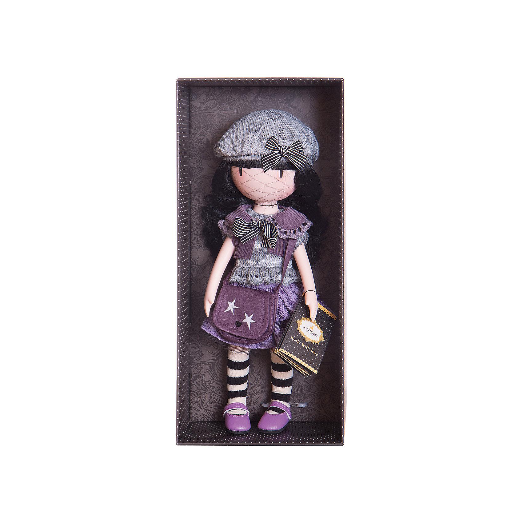 Кукла Горджусс Маленькая фиалка, 32 см, Paola ReinaКлассические куклы<br>Кукла Горджусс Маленькая фиалка, 32 см, Paola Reina.<br><br>Характеристики:<br><br>• Для детей в возрасте: от 3 лет<br>• В комплекте: кукла, сумка, брошюра<br>• Высота куклы: 32 см.<br>• Материалы: кукла изготовлена из винила; глаза выполнены в виде кристалла из твердого пластика; волосы сделаны из высококачественного нейлона; наряд выполнен из качественного текстиля<br>• Упаковка: подарочная картонная коробка с окошком<br><br>Кукла Горджусс Маленькая фиалка - это уникальная кукла, созданная по образу, который придумала известная художница из Шотландии – Сюзанн Вулкон. Кукла станет любимой подружкой для каждой девочки, а также желанным экспонатом для коллекционера. <br><br>Кукла одета в фиолетово-серое платье с оборками и воротничком, который украшен полосатым бантиком. На ногах у куклы яркие туфельки и полосатые гетры, на голове - серый модный берет декорированный сердечками. <br><br>Образ куклы дополнен стильной сумкой через плечо насыщенного лилового цвета с декоративными аппликациями в виде звездочек. Наряд куклы при необходимости можно снять. Длинные темные волосы куклы из высококачественного нейлона блестят, легко расчесываются. <br><br>На лице куклы только глаза и лёгкий румянец — так ей проще стать отражением настроения ребёнка. Ведь этот образ уже сам по себе иллюстрация эмоций. Подобный стиль открывает простор для фантазии — нос, рот и брови можно додумать самостоятельно! <br><br>Кукла имеет пропорциональное телосложение. Голова, руки и ноги подвижны. Тело куклы выполнено из приятного на ощупь высококачественного винила, который имеет лёгкий аромат «английского сада» с нотками жимолости и розы. <br><br>Материалы, из которых изготовлена кукла, прошли все необходимые проверки на безопасность для детей. Качество подтверждено нормами безопасности EN17 ЕЭС. Дополнительно в комплекте с куклой предусмотрена информационная иллюстрированная брошюра.<br><br>Куклу Горджусс Маленькая фиалка, 32 с