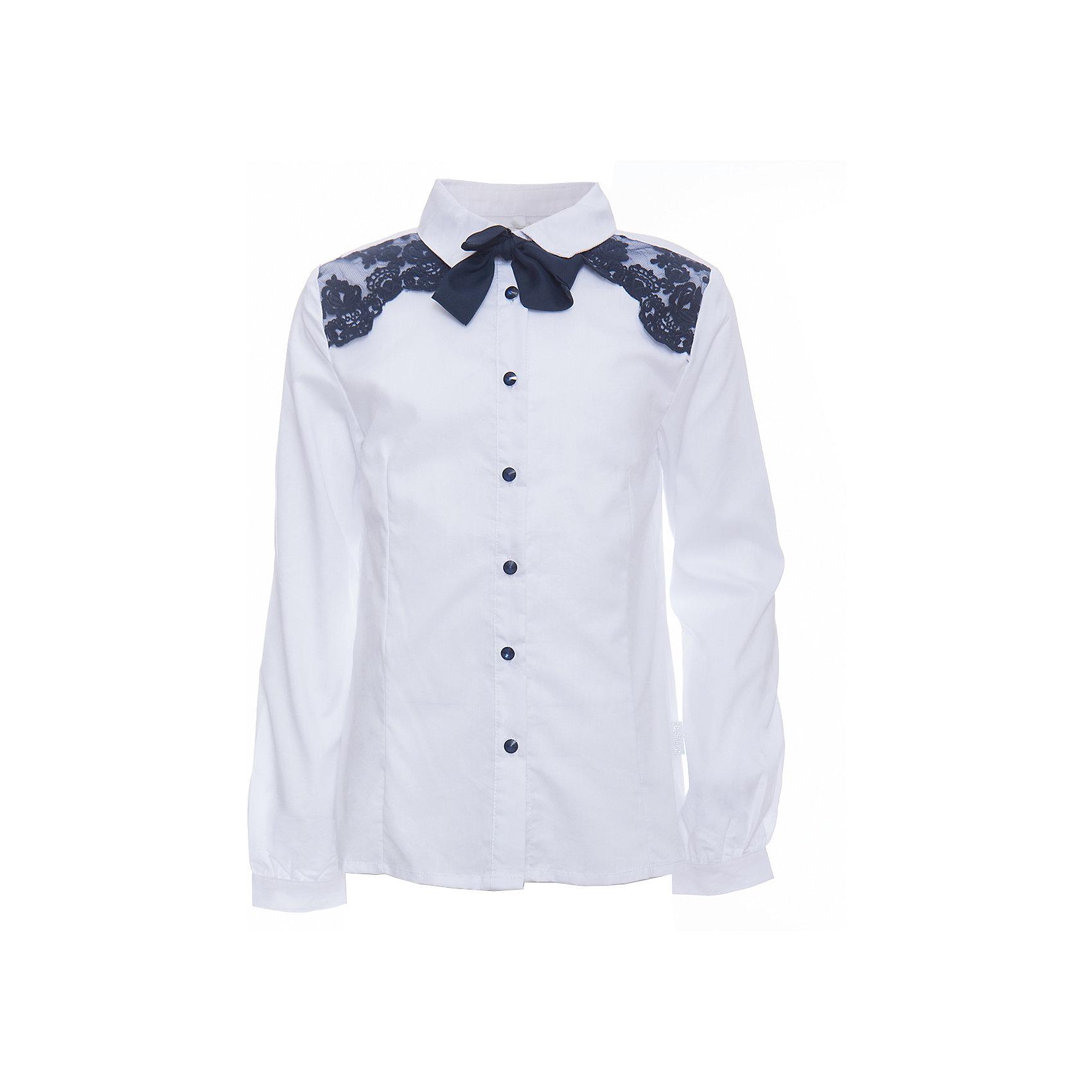 Блузка для девочки LuminosoБлузки и рубашки<br>Характеристики товара:<br><br>• цвет: белый;<br>• состав: 65% хлопок, 32% полиэстер, 3% эластан;<br>• сезон: демисезон;<br>• особенности: школьная, с кружевом;<br>• застежка: пуговицы;<br>• с длинным рукавом;<br>• декорирована кружевом и галстуком;<br>• манжеты рукавов на пуговице;<br>• страна бренда: Россия;<br>• страна производства: Китай.<br><br>Школьная блузка с длинным рукавом для девочки. Блузка приталенного кроя. Декорирована изящной контрастным кружевом синего цвета. Застегивается на пуговки, манжеты рукавов на одной пуговице. Пуговицы  и галстук контрастного синего цвета.<br><br>Блузка для девочки Luminoso (Люминосо) можно купить в нашем интернет-магазине.<br><br>Ширина мм: 186<br>Глубина мм: 87<br>Высота мм: 198<br>Вес г: 197<br>Цвет: белый<br>Возраст от месяцев: 72<br>Возраст до месяцев: 84<br>Пол: Женский<br>Возраст: Детский<br>Размер: 122,164,128,134,140,146,152,158<br>SKU: 6672074