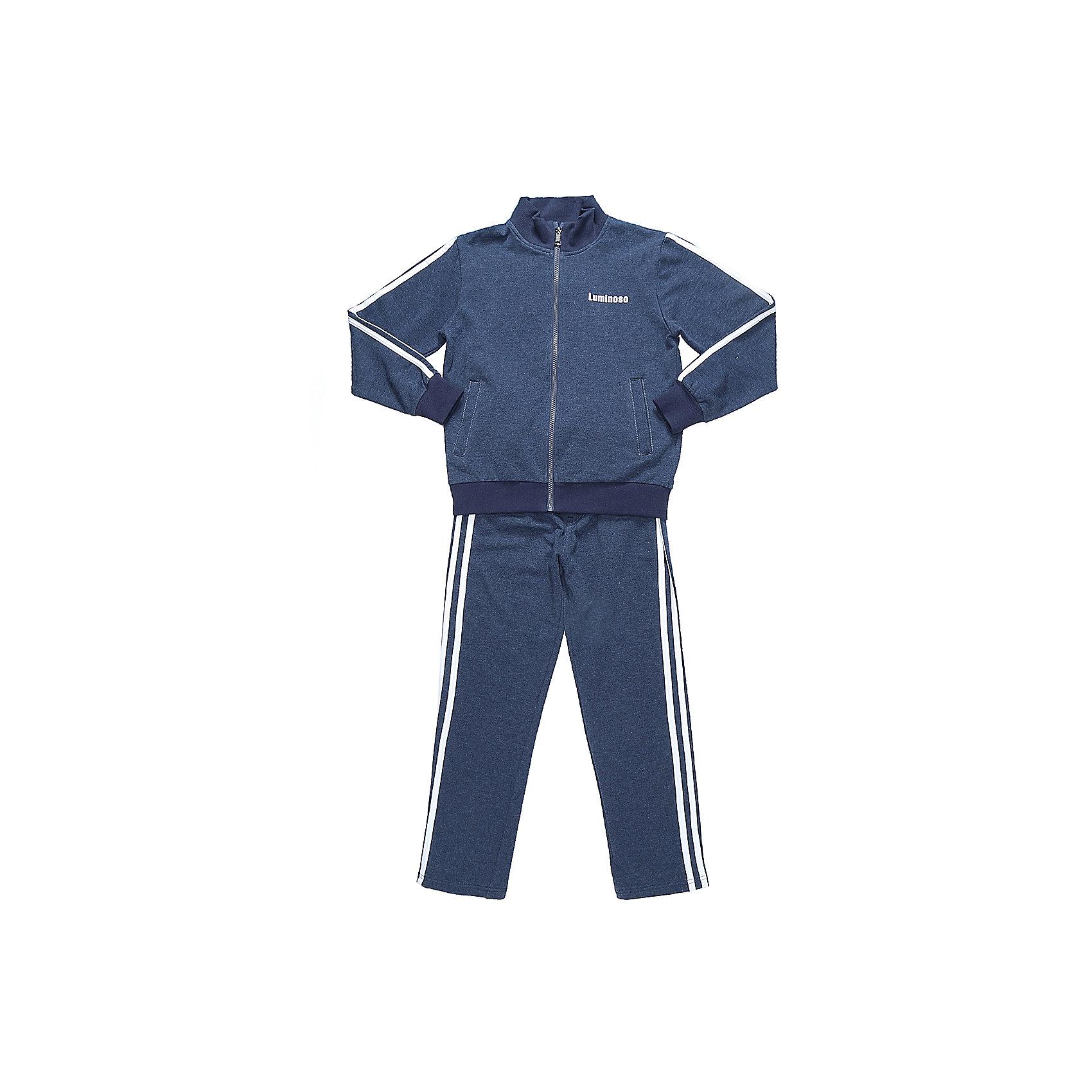 Спортивный костюм для мальчика LuminosoСпортивная форма<br>Характеристики товара:<br><br>• цвет: темно-синий<br>• состав: 95% хлопок, 5% эластан<br>• сезон: демисезон<br>• застежка: молния<br>• штаны на резинке<br>• дополнительный регулируемый шнурок<br>• два прорезных кармана <br>• особенности: для занятий физкультурой/спортом<br>• страна бренда: Россия<br>• страна производства: Китай<br><br>Классический спортивный костюм для мальчика из трикотажной, хлопковой ткани темно-синего цвета. Кофта с длинным рукавом и воротником стойкой. Два прорезных кармана. Застежка на молнии. Штаны прямого кроя, на широком эластичном поясе с дополнительно регулируемым шнуром. Кофта и брюки декорированны контрастными полосками. Спортивный костюм для физкультуры и занятий спортом.<br><br>Спортивный костюм для мальчика Luminoso (Люминосо) можно купить в нашем интернет-магазине.<br><br>Ширина мм: 247<br>Глубина мм: 16<br>Высота мм: 140<br>Вес г: 225<br>Цвет: синий<br>Возраст от месяцев: 156<br>Возраст до месяцев: 168<br>Пол: Мужской<br>Возраст: Детский<br>Размер: 164,122,128,134,140,146,152,158<br>SKU: 6672554
