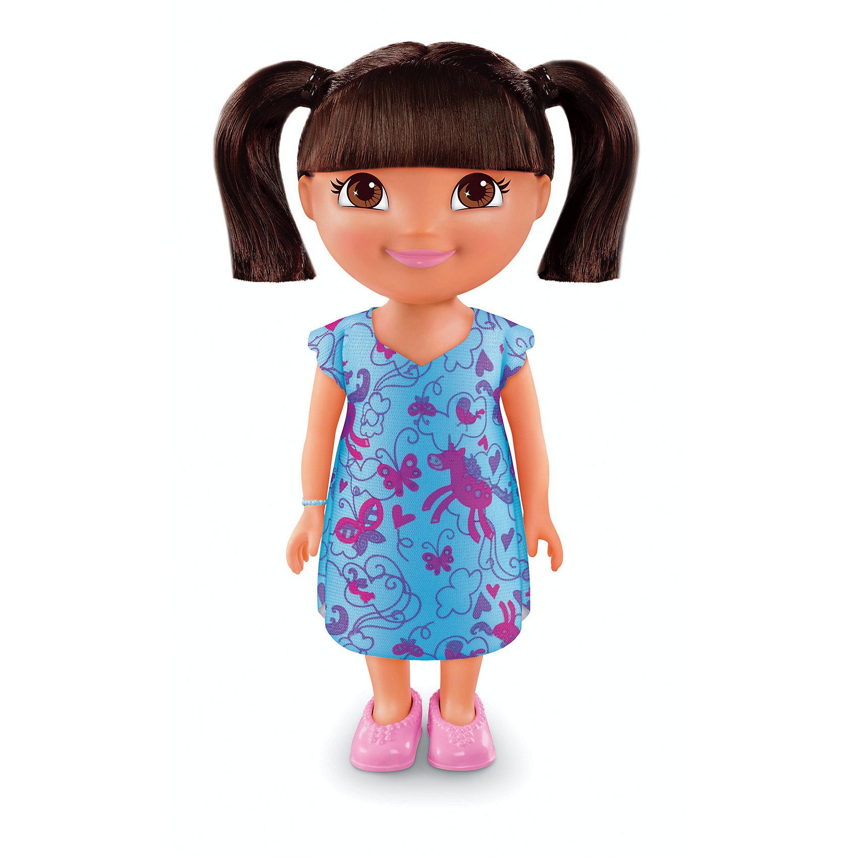 Кукла Даша-путешественница из серии Приключения каждый день, Fisher PriceКлассические куклы<br>Характеристики товара:<br><br>• возраст от 3 лет;<br>• материал: пластик, текстиль;<br>• высота куклы 22 см;<br>• размер упаковки 23х12,5х9 см;<br>• вес упаковки 238 гр.;<br>• страна производитель: Китай.<br><br>Кукла Даша-путешественница «Приключения каждый день» Fisher Price — героиня известного мультсериала про улыбчивую и любопытную Дашу, которая любит путешествовать и постоянно что-то исследовать и узнавать. Кукла одета в голубое платье с принтом, розовые туфельки, а на руке ее любимый голубой браслет. У Даши большие глаза и мягкие темные волосы, которые можно расчесывать, заплетать и украшать. Во время увлекательной игры с куклой девочка может придумывать свои истории и сюжеты.<br><br>Куклу Дашу-путешественницу «Приключения каждый день» Fisher Price можно приобрести в нашем интернет-магазине.<br><br>Ширина мм: 125<br>Глубина мм: 90<br>Высота мм: 230<br>Вес г: 238<br>Возраст от месяцев: 36<br>Возраст до месяцев: 120<br>Пол: Женский<br>Возраст: Детский<br>SKU: 6673380