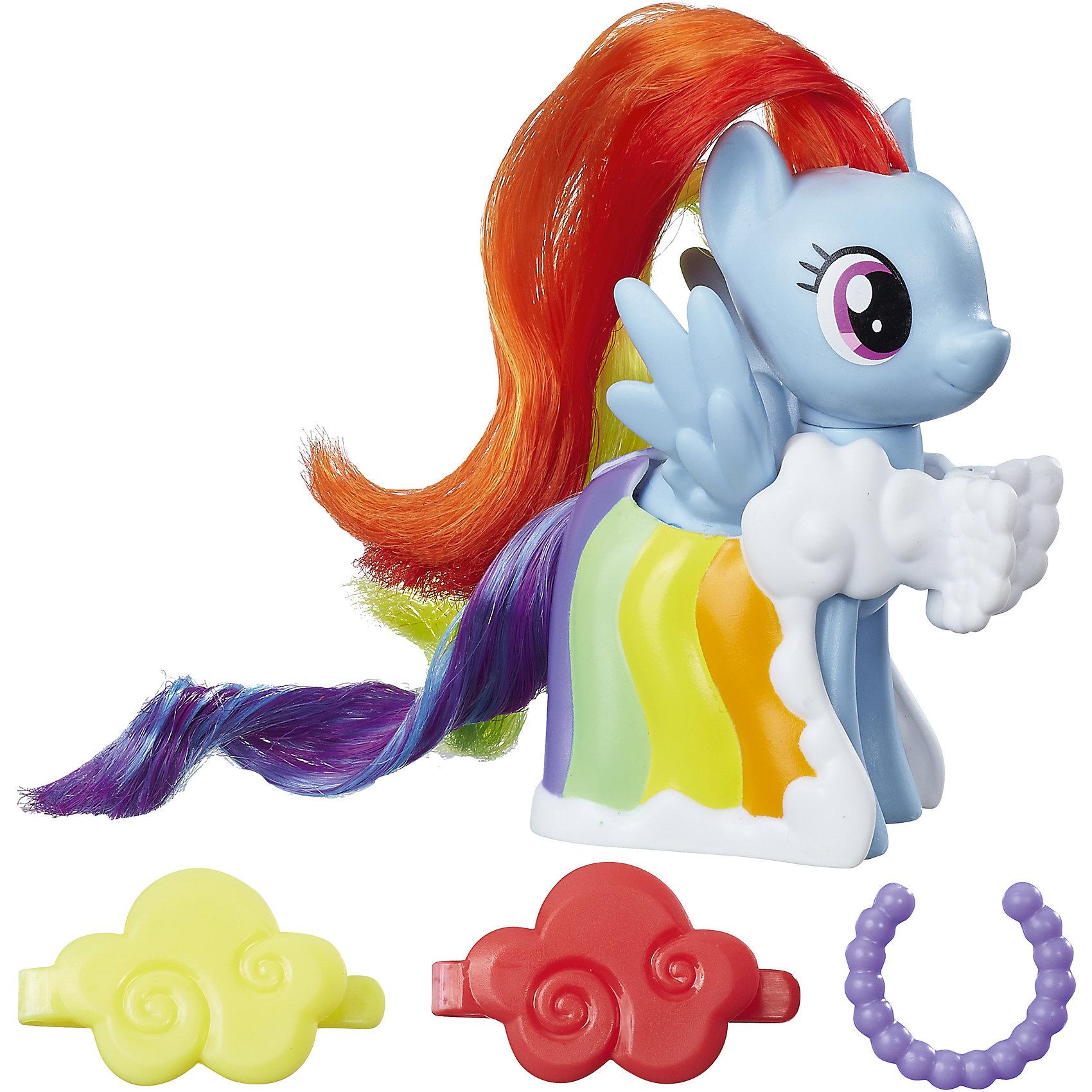 Игровой набор Hasbro My little Pony Пони-модницы, Рейнбоу ДэшПопулярные игрушки<br>Характеристики товара:<br><br>• возраст: от 3 лет;<br>• материал: пластик;<br>• в комплекте: фигурка пони, аксессуары;<br>• размер фигурки: 8 см;<br>• размер упаковки: 18,4х17,8х4,8 см;<br>• вес упаковки: 145 гр.;<br>• страна производитель: Китай.<br><br>Игровой набор «Пони-модницы» My Little Pony Hasbro создан по мотивам известного мультсериала. В наборе фигурка пони Рейнбоу Дэш с разноцветной гривой и костюмом цветов радуги. Стильные аксессуары дополнят образ маленькой пони. Мягкий хвостик и гриву можно расчесывать, заплетать, украшать, придумывая каждый раз новый оригинальный образ. <br><br>Игровой набор «Пони-модницы» My Little Pony Hasbro B8810/B9622 можно приобрести в нашем интернет-магазине.<br><br>Ширина мм: 48<br>Глубина мм: 178<br>Высота мм: 184<br>Вес г: 145<br>Возраст от месяцев: 36<br>Возраст до месяцев: 2147483647<br>Пол: Женский<br>Возраст: Детский<br>SKU: 6674411