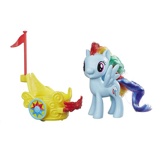 Игровой набор Hasbro My little Pony Пони в карете, Рейнбоу ДэшФигурки из мультфильмов<br>Характеристики товара:<br><br>• возраст: от 3 лет;<br>• материал: пластик;<br>• в комплекте: фигурка пони, карета;<br>• размер фигурки: 7,5 см;<br>• размер упаковки: 27х21,3х18,1 см;<br>• вес упаковки: 280 гр.;<br>• страна производитель: Китай.<br><br>Игровой набор «Пони в карете» My Little Pony Hasbro создан по мотивам известного мультсериала. В наборе фигурка пони Рейнбоу Дэш с разноцветной гривой и синим хвостиком. Рейнбоу Дэш веселая и активная, она любит собираться со своими друзьями. Пони отправляется на бал в своей волшебной карете. Если посадить пони в карету и потянуть немного назад, то она начнет вращаться. Мягкий хвостик и гриву можно расчесывать, заплетать, украшать, придумывая каждый раз новый оригинальный образ. <br><br>Игровой набор «Пони в катере» My Little Pony Hasbro B9159/B9835 можно приобрести в нашем интернет-магазине.<br>Ширина мм: 270; Глубина мм: 213; Высота мм: 181; Вес г: 280; Возраст от месяцев: 36; Возраст до месяцев: 2147483647; Пол: Женский; Возраст: Детский; SKU: 6674413;