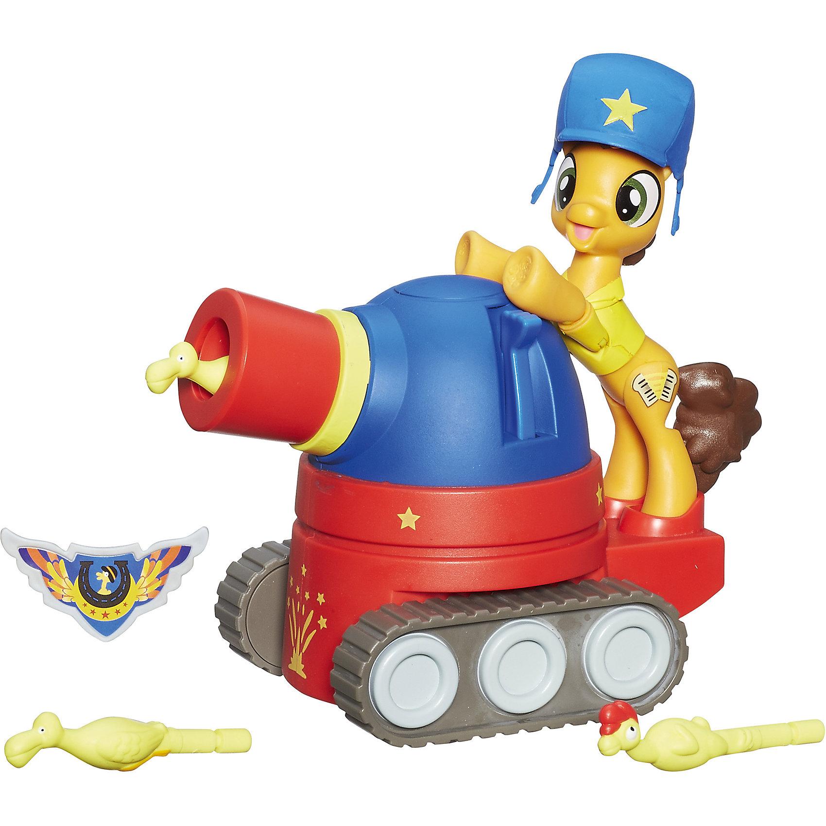 Игровой набор Hasbro My little Pony Хранители гармонии, Чиз Сэндвич на праздничном танкеЛюбимые герои<br>Характеристики товара:<br><br>• возраст: от 4 лет;<br>• материал: пластик;<br>• в комплекте: фигурка пони, шлем, танк, 3 снаряда, значок;<br>• размер фигурки: 8 см;<br>• размер упаковки: 30,5х25,4х9,5 см;<br>• вес упаковки: 561 гр.;<br>• страна производитель: Китай.<br><br>Игровой набор «Чиз Сэндвич на праздничном танке» My Little Pony Hasbro создан по мотивам известного мультсериала. В наборе веселый Чиз Сэндвич, который любит устраивать праздники и вечеринки. В этот раз он приготовил сюрприз — праздничный танк, который стреляет оригинальными снарядами в виде птичек. Надо поместить снаряды в танк, нажать на рычажок, и снаряды начнут вылетать из танка.<br><br>У Чиза подвижные ножки. Его также можно усадить на танк, на котором имеются специальные отделения для ножек. В наборе девочка найдет небольшой значок, которым сможет украсить свой наряд.<br><br>Игровой набор «Чиз Сэндвич на праздничном танке» My Little Pony Hasbro B6010 можно приобрести в нашем интернет-магазине.<br><br>Ширина мм: 95<br>Глубина мм: 305<br>Высота мм: 254<br>Вес г: 561<br>Возраст от месяцев: 48<br>Возраст до месяцев: 2147483647<br>Пол: Женский<br>Возраст: Детский<br>SKU: 6674415