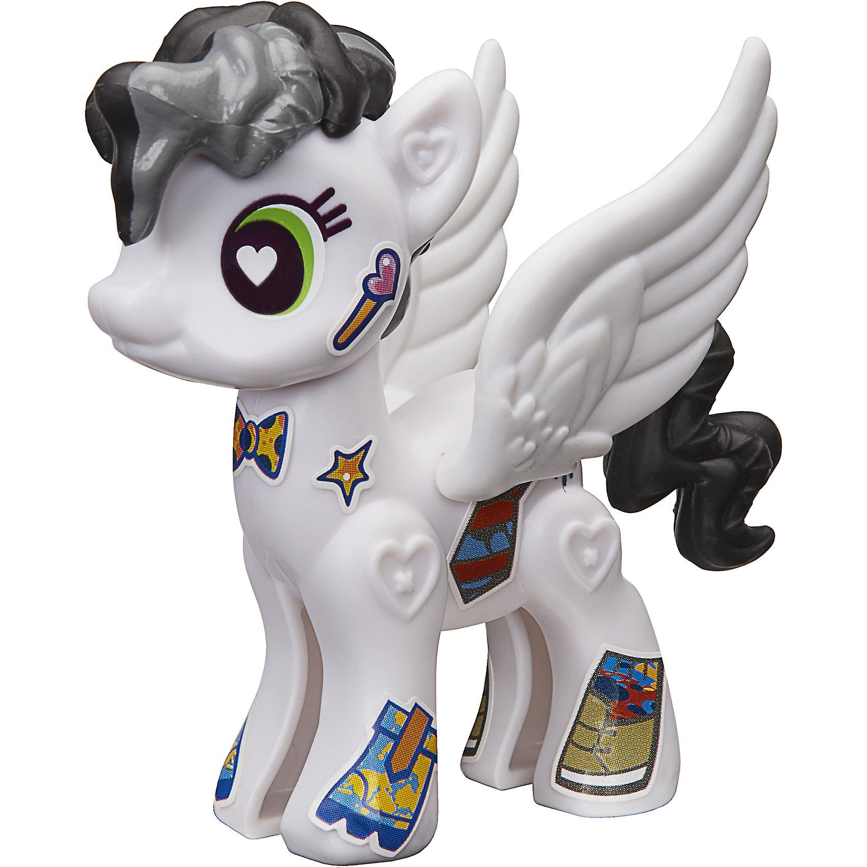Игровой набор Hasbro My little Pony Создай свою пони, Старри АйсЛюбимые герои<br>Характеристики товара:<br><br>• возраст: от 4 лет;<br>• материал: пластик;<br>• в комплекте: фигурка пони, аксессуары;<br>• размер упаковки: 20,5х14,9х16,2 см;<br>• вес упаковки: 65 гр.;<br>• страна производитель: Китай.<br><br>Игровой набор «Создай свою пони» My Little Pony создан по мотивам известного мультсериала. В наборе фигурка пони и аксессуары для придания пони стильного образа. Наклейками можно украсить пони, проявив фантазию. <br><br>Игровой набор «Создай свою пони» My Little Pony Hasbro B3592/B5106можно приобрести в нашем интернет-магазине.<br><br>Ширина мм: 205<br>Глубина мм: 162<br>Высота мм: 149<br>Вес г: 65<br>Возраст от месяцев: 48<br>Возраст до месяцев: 2147483647<br>Пол: Женский<br>Возраст: Детский<br>SKU: 6674418