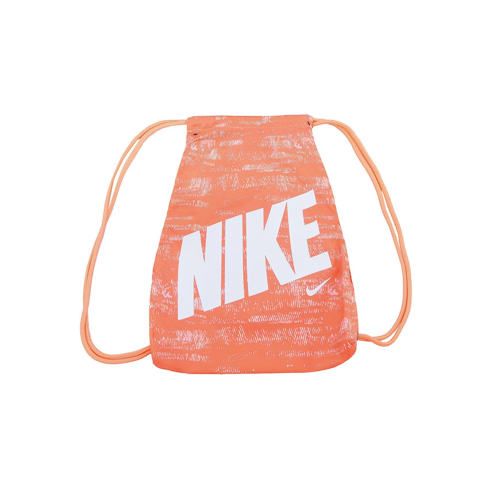 Сумка NIKEМешки для обуви<br>Характеристики товара:<br><br>• цвет: разноцветный<br>• спортивный стиль<br>• состав: 100% полиэстер<br>• декорирована принтом<br>• размер: 45,5 x 25 см<br>• удобные лямки<br>• затягивающийся шнурок для надежности хранения<br>• износостойкий материал<br>• коллекция: весна-лето 2017<br>• страна бренда: США<br>• страна изготовитель: Индонезия<br><br>Продукция бренда NIKE известна высоким качеством, уникальным узнаваемым дизайном и проработанными деталями, которые создают удобство при занятиях спортом и долгой ходьбе. <br><br>Уход за такой сумкой прост, она легко чистится и быстро сушится. Дополнена удобными лямками, которые помогут обеспечить комфорт при ношении сумки. <br><br>Вместительные отделения сумки позволяют взять с собой нужные вещи, а удобный дизайн делает её незаменимой для спортсменов. Модель стильно выглядит и хорошо смотрится с одеждой разных цветов и стилей.<br><br>Сумку NIKE (Найк) можно купить в нашем интернет-магазине.<br><br>Ширина мм: 170<br>Глубина мм: 157<br>Высота мм: 67<br>Вес г: 117<br>Цвет: оранжевый<br>Возраст от месяцев: 168<br>Возраст до месяцев: 1188<br>Пол: Унисекс<br>Возраст: Детский<br>Размер: one size<br>SKU: 6676775
