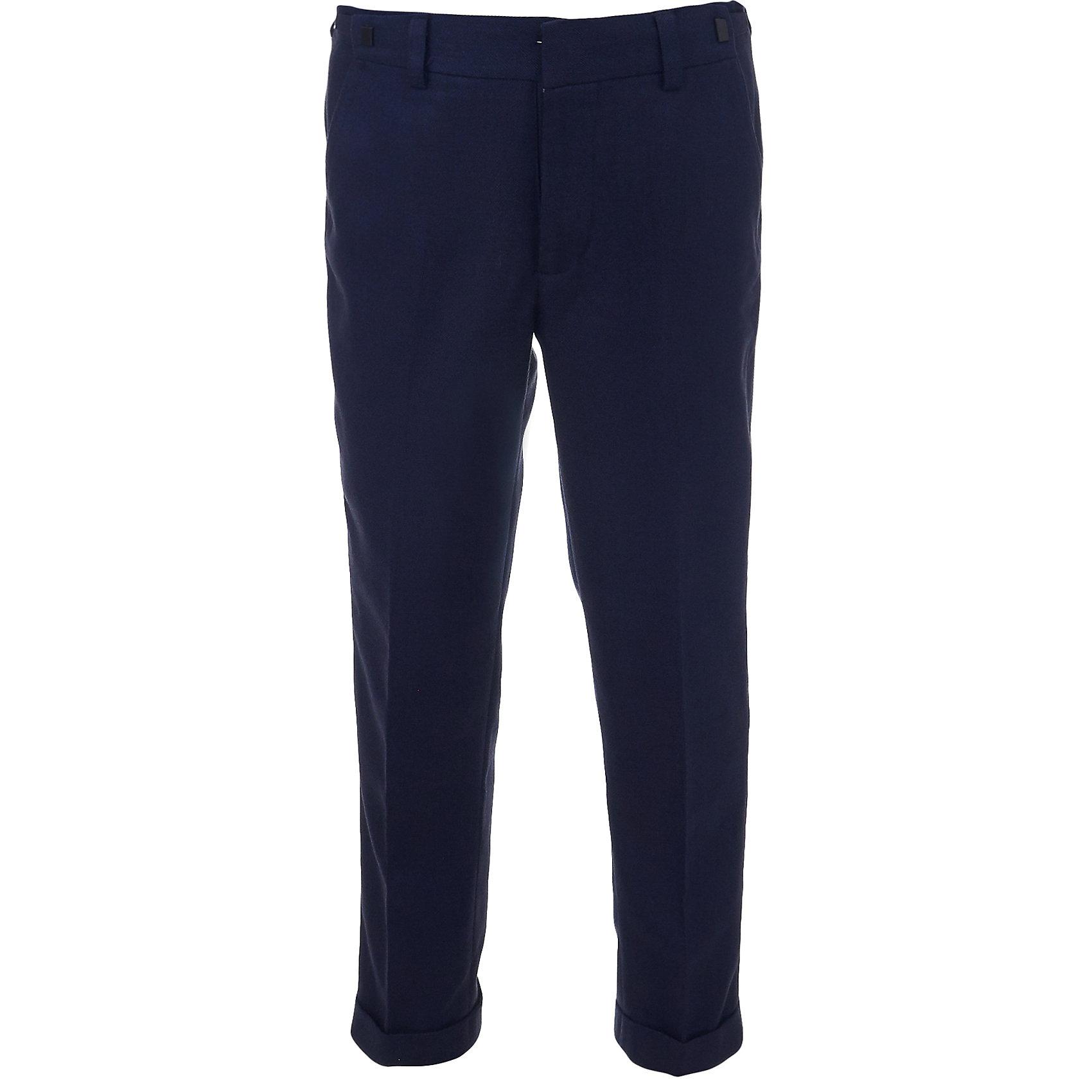 Брюки для мальчика GulliverБрюки<br>Классические брюки для мальчика - основа повседневного школьного гардероба. В сочетании с любым верхом, они смотрятся строго, настраивая на деловую волну. Хороший состав, качество и оригинальная текстура ткани обеспечивают брюкам  достойный внешний вид, долговечность и неприхотливость в уходе. Синие школьные брюки для мальчика имеют удобную регулировку пояса, создающую комфортную посадку изделия на любой фигуре.<br>Состав:<br>Верх: 11% шерсть 32% вискоза 57% полиэстер; Подкладка: 50% вискоза 50% полиэстер<br><br>Ширина мм: 215<br>Глубина мм: 88<br>Высота мм: 191<br>Вес г: 336<br>Цвет: синий<br>Возраст от месяцев: 168<br>Возраст до месяцев: 180<br>Пол: Мужской<br>Возраст: Детский<br>Размер: 170,140,122,128,134,146,152,158,164<br>SKU: 6678564