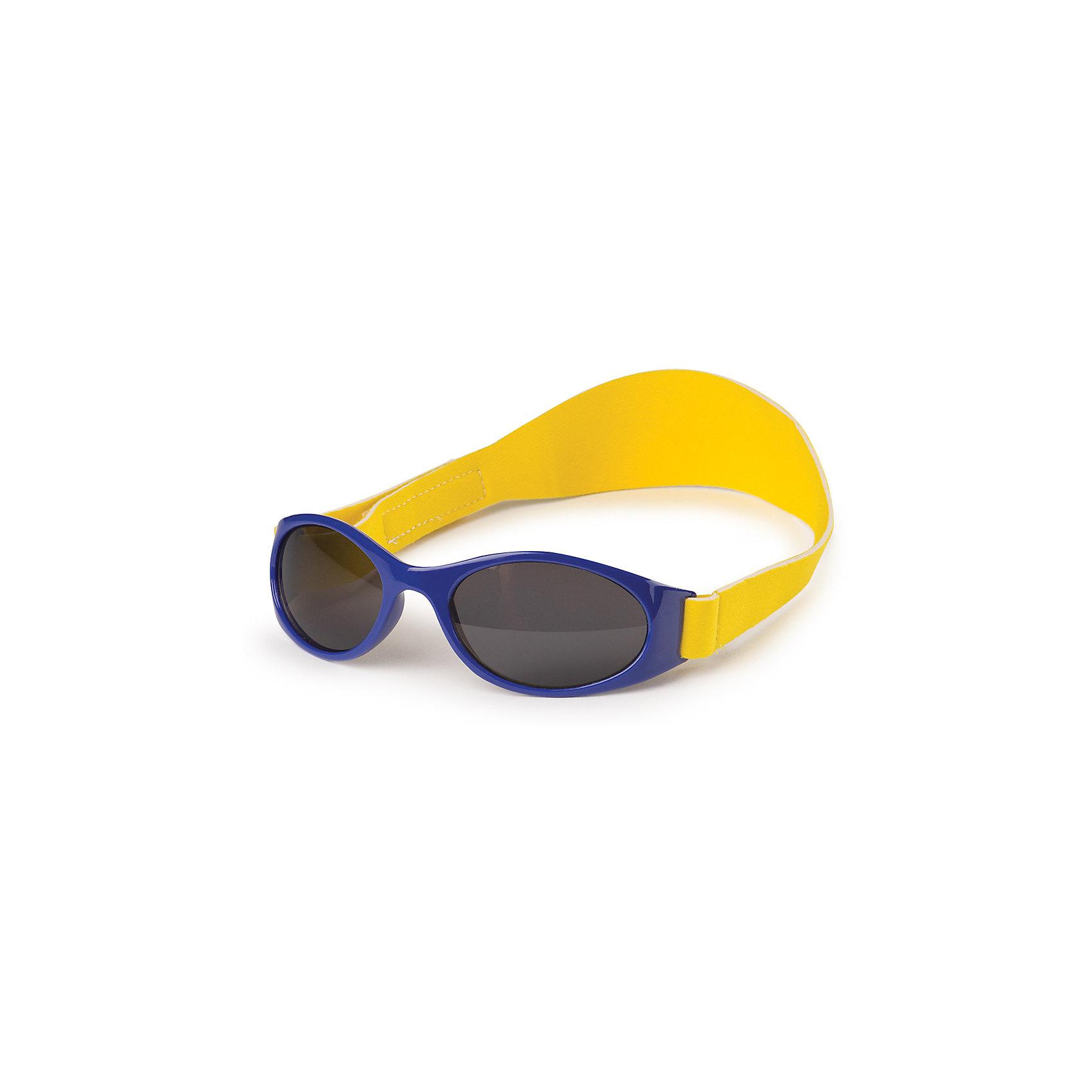 Очки солнцезащитные с ремешком, Happy Baby, синийСолнцезащитные очки<br>Характеристики:<br><br>• детские солнцезащитные очки;<br>• глаза ребенка защищены от солнечных лучей;<br>• ремешок застегивается на липучку;<br>• ремешок препятствует падению или утере очков, когда ребенок активно играет;<br>• материал: годаполикарбонат, этиленвинилацетат, линзы - пластик;<br>• размер упаковки: 16х5х4 см;<br>• вес: 31 г.<br><br>Очки солнцезащитные с ремешком, Happy Baby, цвет синий можно купить в нашем интернет-магазине.<br><br>Ширина мм: 40<br>Глубина мм: 160<br>Высота мм: 50<br>Вес г: 31<br>Возраст от месяцев: 6<br>Возраст до месяцев: 2147483647<br>Пол: Мужской<br>Возраст: Детский<br>SKU: 6679332
