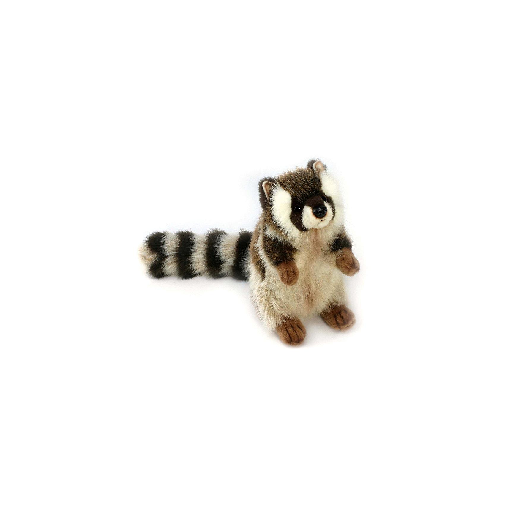 Мягкая игрушка Hansa Енот стоящий, 47 смМягкие игрушки животные<br>Характеристики товара:<br><br>• возраст: от 3 лет;<br>• материал: искусственный мех;<br>• высота игрушки: 47 см;<br>• размер упаковки: 22,5х18,5х3,5 см;<br>• вес упаковки: 120 гр.;<br>• страна производитель: Филиппины.<br><br>Мягкая игрушка Енот стоящий Hansa 47 см — очаровательный зверек с маленькими глазками-пуговками и пушистым хвостиком, который станет для ребенка любимым домашним питомцем. Игрушку можно брать с собой на прогулку, в детский садик, в гости и устраивать вместе с друзьями веселые игры. <br><br>Внутри проходит титановый каркас, который позволяет менять положение лап, туловища, поворачивать голову. Игрушка сделана из качественных безопасных материалов.<br><br>Мягкую игрушку Енот стоящий Hansa 47 см можно приобрести в нашем интернет-магазине.<br><br>Ширина мм: 185<br>Глубина мм: 35<br>Высота мм: 225<br>Вес г: 120<br>Возраст от месяцев: 36<br>Возраст до месяцев: 2147483647<br>Пол: Унисекс<br>Возраст: Детский<br>SKU: 6680719