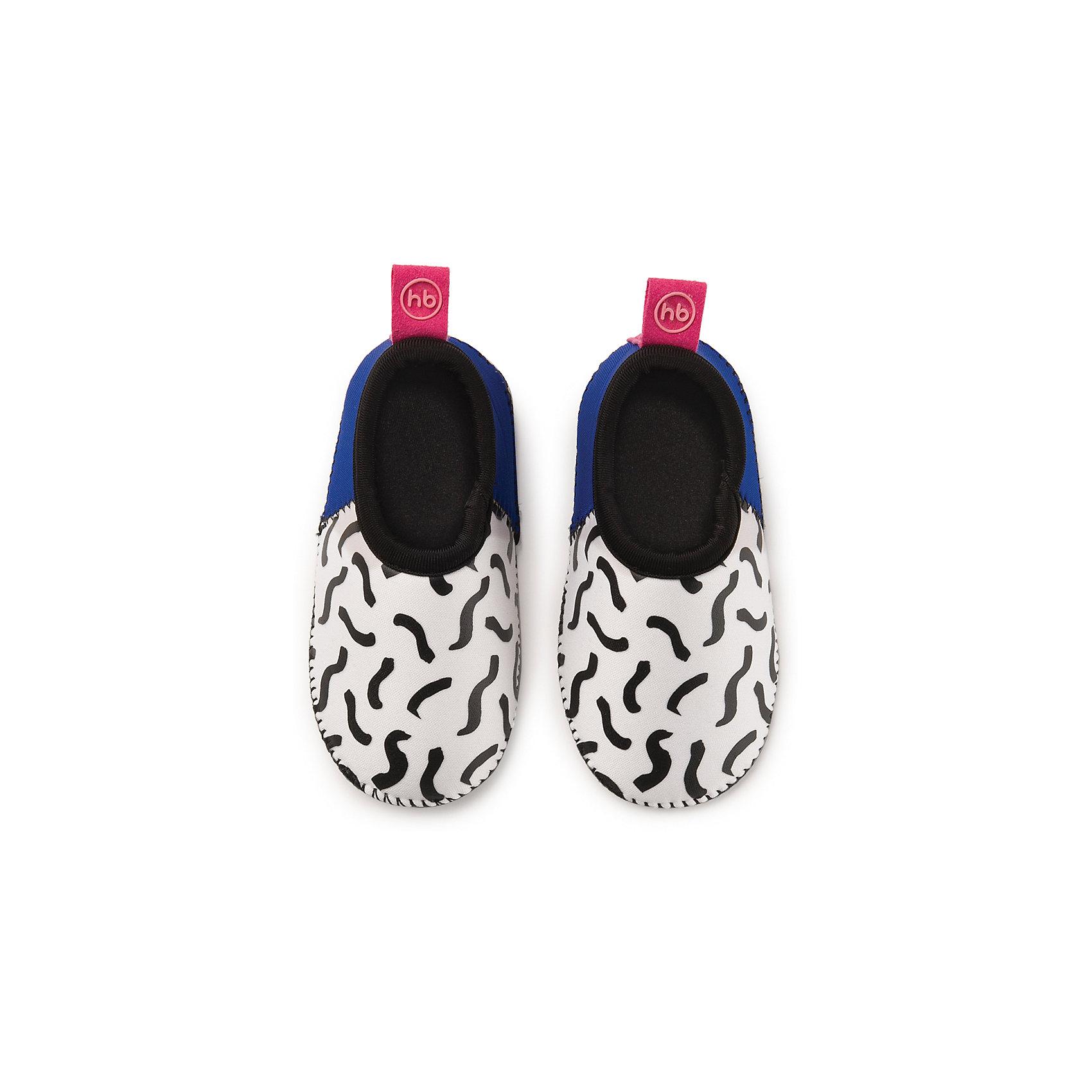 Плавательные тапочки для мальчика размер 23, Happy BabyПляжная обувь<br>Тапочки для плавания HBтм сделают активный отдых ребенка на море ещё более приятным. В этой обуви малыш сможет уверенно ходить по камням, горячему песку или скользкой поверхности. Во время плавания ребёнок чувствует себя естественно, ведь тапочки изготовлены из лёгкого и приятного на ощупь материала. Водонепроницаемые и теплоудерживающие тапочки для плавания HBтм помогут сохранить ножки ребёнка в тепле и безопасности. Длина стельки 13,5 см<br><br>Ширина мм: 40<br>Глубина мм: 60<br>Высота мм: 190<br>Вес г: 53<br>Возраст от месяцев: 24<br>Возраст до месяцев: 36<br>Пол: Унисекс<br>Возраст: Детский<br>SKU: 6681118