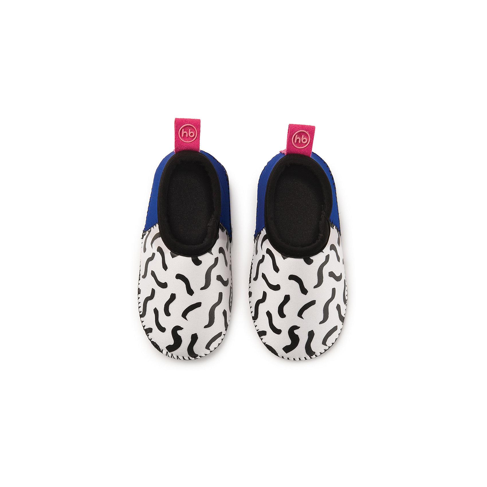 Плавательные тапочки для мальчика размер 26, Happy BabyПляжная обувь<br>Тапочки для плавания HBтм сделают активный отдых ребенка на море ещё более приятным. В этой обуви малыш сможет уверенно ходить по камням, горячему песку или скользкой поверхности. Во время плавания ребёнок чувствует себя естественно, ведь тапочки изготовлены из лёгкого и приятного на ощупь материала. Водонепроницаемые и теплоудерживающие тапочки для плавания HBтм помогут сохранить ножки ребёнка в тепле и безопасности. Длина стельки 14,9 см<br><br>Ширина мм: 40<br>Глубина мм: 60<br>Высота мм: 190<br>Вес г: 57<br>Возраст от месяцев: 24<br>Возраст до месяцев: 36<br>Пол: Унисекс<br>Возраст: Детский<br>SKU: 6681119