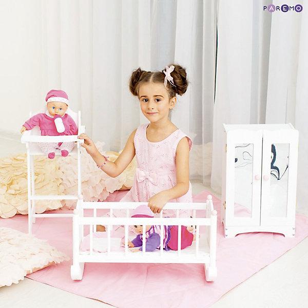 Набор кукольной мебели Стул+люлька+шкаф, белый, PAREMOМебель для кукол<br>Характеристики товара:<br><br>• возраст: от 3 лет;<br>• материал: дерево, МДФ, текстиль;<br>• в комплекте: кровать, матрас, подушка, одеяло, стул, шкаф;<br>• подходит для кукол высотой до 50 см;<br>• размер кровати: 60х31х29 см;<br>• размер стульчика: 55х31х26 см;<br>• размер шкафа: 30х48х22 см;<br>• размер упаковки: 65х35х20 см;<br>• вес упаковки: 6 кг;<br>• страна производитель: Россия.<br><br>Набор кукольной мебели Paremo белый включает в себя кроватку-люльку, стульчик для кормления и шкафчик. Набор подойдет для кукол до 50 см. С ним девочка будет устраивать разнообразные игры вместе с любимой куклой. Вечером девочка будет укладывать куколку спать в кроватку. <br><br>Благодаря полозьям кроватку можно покачать, чтобы кукла быстрее уснула. Для кормления предусмотрен удобный стульчик с поднимающимся столиком. Для хранения одежды и вещей в шкафчике имеются 6 вешалок и полка. Двери шкафа открываются. Мебель изготовлена из натурального дерева, не имеет острых опасных элементов.<br><br>Набор кукольной мебели Paremo белый можно приобрести в нашем интернет-магазине.<br><br>Ширина мм: 650<br>Глубина мм: 350<br>Высота мм: 200<br>Вес г: 6000<br>Возраст от месяцев: 36<br>Возраст до месяцев: 2147483647<br>Пол: Женский<br>Возраст: Детский<br>SKU: 6725406