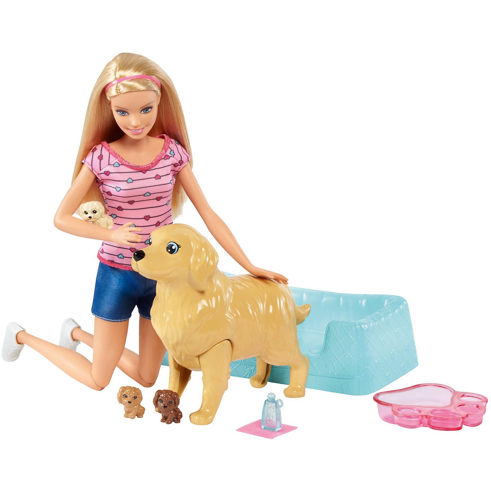 Игровой набор Barbie Кукла и собака с новорожденными щенкамиИгрушки по суперценам!<br>Характеристики товара:<br><br>• возраст: от 3 лет<br>• материал: пластик;<br>• высота куклы: 28-30 см<br>• аксессуары в комплекте<br>• размер упаковки: 32,5X23X6 см<br>• страна бренда: США<br><br>Barbie® любит животных, и сейчас она может помочь щенятам появиться на свет.  У ее очаровательной собачки скоро будут щенята! <br><br>Чтобы они появились на свет, нужно надавить на голову маме-собаке. У каждого из трех щенков шерсть меняет цвет: просто нанеси на их шерсть немного холодной воды. После этого они откроют глаза, и ты увидишь разноцветные сердечки. <br><br>Ванночка для родов мамы-собаки превращается в лежанку, ванночка в форме следа лапки идеальна для купания, а бутылочка с водой поможет помыть щенят и приготовить их к дальнейшему воспитанию.<br><br>Игровой набор Barbie Кукла и собака с новорожденными щенками можно купить в нашем интернет-магазине.<br><br>Ширина мм: 327<br>Глубина мм: 228<br>Высота мм: 63<br>Вес г: 387<br>Возраст от месяцев: 36<br>Возраст до месяцев: 72<br>Пол: Женский<br>Возраст: Детский<br>SKU: 6739666