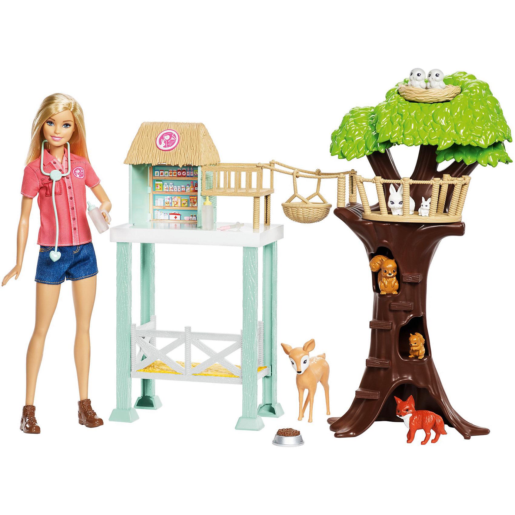 Игровой набор Barbie Спасатель животныхКуклы-модели<br>Характеристики товара:<br><br>• возраст: от 3 лет<br>• материал: пластик;<br>• высота куклы: 28-30 см;<br>• размер упаковки: 31X41X7 см;<br>• страна бренда: США<br>• страна изготовоитель: Китай<br><br>Кукла Barbie® так любит животных, и потому решила открыть приют, чтобы заботиться о них! Маленькие любители животных будут помогать восьми животным-пациентам вместе с куклой Barbie® в здании приюта. <br><br>Тебя ждут олененок, лисичка, две белки, два кролика и две совы. Дизайн двухэтажного здания приюта вдохновлен самой природой. От приюта к растущему рядом дереву ведет веревочный мост с корзинкой для перевозки животных. <br><br>На дереве есть множество мест, где маленькие зверьки могут отдохнуть: гнездо на верхушке дерева, дупла и площадки между ветвями. Barbie® надела рубашку с рукавами, джинсовые шорты и ботинки и готова принимать пациентов. Стетоскоп, две бутылочки и миска для еды помогут в заботе о животных.<br><br>Игровой набор Barbie Спасатель животных можно купить в нашем интернет-магазине.<br><br>Ширина мм: 396<br>Глубина мм: 330<br>Высота мм: 88<br>Вес г: 782<br>Возраст от месяцев: 36<br>Возраст до месяцев: 72<br>Пол: Женский<br>Возраст: Детский<br>SKU: 6739672