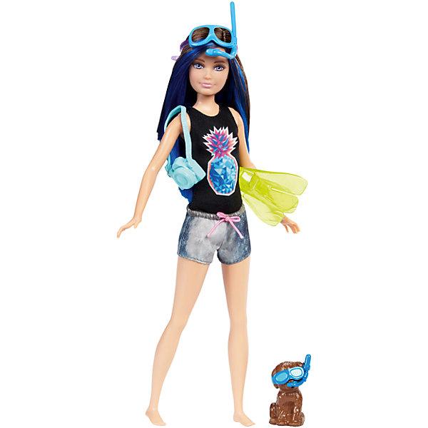 Кукла Barbie Скиппер из серии «Морские приключения»Бренды кукол<br>Характеристики товара:<br><br>• возраст: от 3 лет<br>• материал: пластик;<br>• высота куклы: 28-30 см;<br>• размер упаковки: 31X25X7 см;<br>• страна бренда: США<br>• страна изготовоитель: Китай<br><br>Кукла Skipper™ со щенком и плавательным снаряжением, которое меняет цвет. А именно, цвет меняет маска и дельфин на доске. Просто нанеси теплую воду и посмотри, как цвет изменится мгновенно!<br><br>Дополнительные аксессуары— камера и ласты— еще больше возможностей для игры. Щенок принимает милые позы и носит аксессуары, гармонирующие с?образом куклы.<br><br>Куклу Barbie Скиппер из серии «Морские приключения» можно купить в нашем интернет-магазине.<br>Ширина мм: 327; Глубина мм: 152; Высота мм: 40; Вес г: 208; Возраст от месяцев: 36; Возраст до месяцев: 72; Пол: Женский; Возраст: Детский; SKU: 6739680;