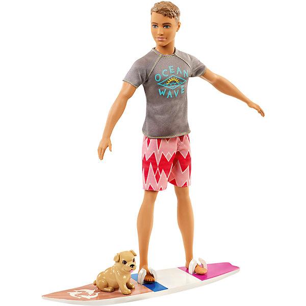 Кукла Barbie Кен из серии «Морские приключения»Бренды кукол<br>Характеристики товара:<br><br>• возраст: от 3 лет<br>• материал: пластик;<br>• высота куклы: 28-30 см<br>• аксессуары в комплекте<br>• размер упаковки: 32,5X23X6 см<br>• страна бренда: США<br><br>В игровом наборе Кен - Морские приключения есть очаровательный щенок и доска для серфинга, чтобы отправиться навстречу тропическим приключениям!<br><br> Ken™ одет в серую футболку с рисунком волны, розовые шорты с узором и белые кроссовки и готов к развлечениям на воде. Его доска для серфинга украшена цветными полосками, ретро-отделкой под дерево и изображением дельфина. <br><br>Помести его ноги в специальные держатели и готовься оседлать волну. А маленький щенок может ехать позади.<br><br>Куклу Barbie Кен из серии «Морские приключения» можно купить в нашем интернет-магазине.<br><br>Ширина мм: 328<br>Глубина мм: 152<br>Высота мм: 63<br>Вес г: 280<br>Возраст от месяцев: 36<br>Возраст до месяцев: 72<br>Пол: Женский<br>Возраст: Детский<br>SKU: 6739681