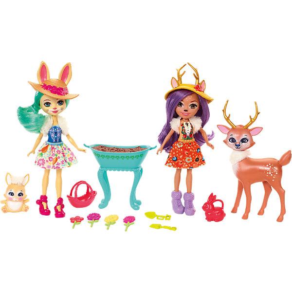 Набор из двух кукол с любимыми зверюшками EnchantimalsКуклы<br>Характеристики товара:<br><br>• возраст: от 3 лет;<br>• пол: девочка; <br>• высота кукол: 15 см;<br>• в комплекте : 2 куклы, 2 фигурки питомцев и аксессуары; <br>• подвижные руки, ноги и голова кукол;<br>• мягкие волосы, которые можно расчесывать;<br>• съёмные шляпки;                                                 <br>• страна-производитель: Индонезия;                                    <br>• размер упаковки: 5,5х10х32,5 см;  .<br><br>Новинка от Mattel!<br>Перед вами замечательный набор, с которым можно будет придумать массу увлекательных историй и долго весело играть.<br><br>Оленёнок такой милый! У него пушистый белый мех на шее, пятнышки на бочку, золотистые рога и розовенькие щечки! Данэсса так похожа на своего питомца! У неё олений носик и золотистые рога, а еще фиолетовые волосы и карие глаза. <br><br>Еще в наборе есть Флаффи и ее милый пушистый кролик. Они так похожи! У Флаффи кроличьи ушки, хвостик и носик. А еще у нее светло-жёлтая кожа, голубые глазки и мягкие зелёные волосы, которые можно расчёсывать. <br><br>НаборEnchantimals Mattel из 2х кукол с любимыми зверюшками , можно купить в нашем интернет-магазине.<br><br>Ширина мм: 331<br>Глубина мм: 215<br>Высота мм: 55<br>Вес г: 303<br>Возраст от месяцев: 72<br>Возраст до месяцев: 120<br>Пол: Женский<br>Возраст: Детский<br>SKU: 6739708