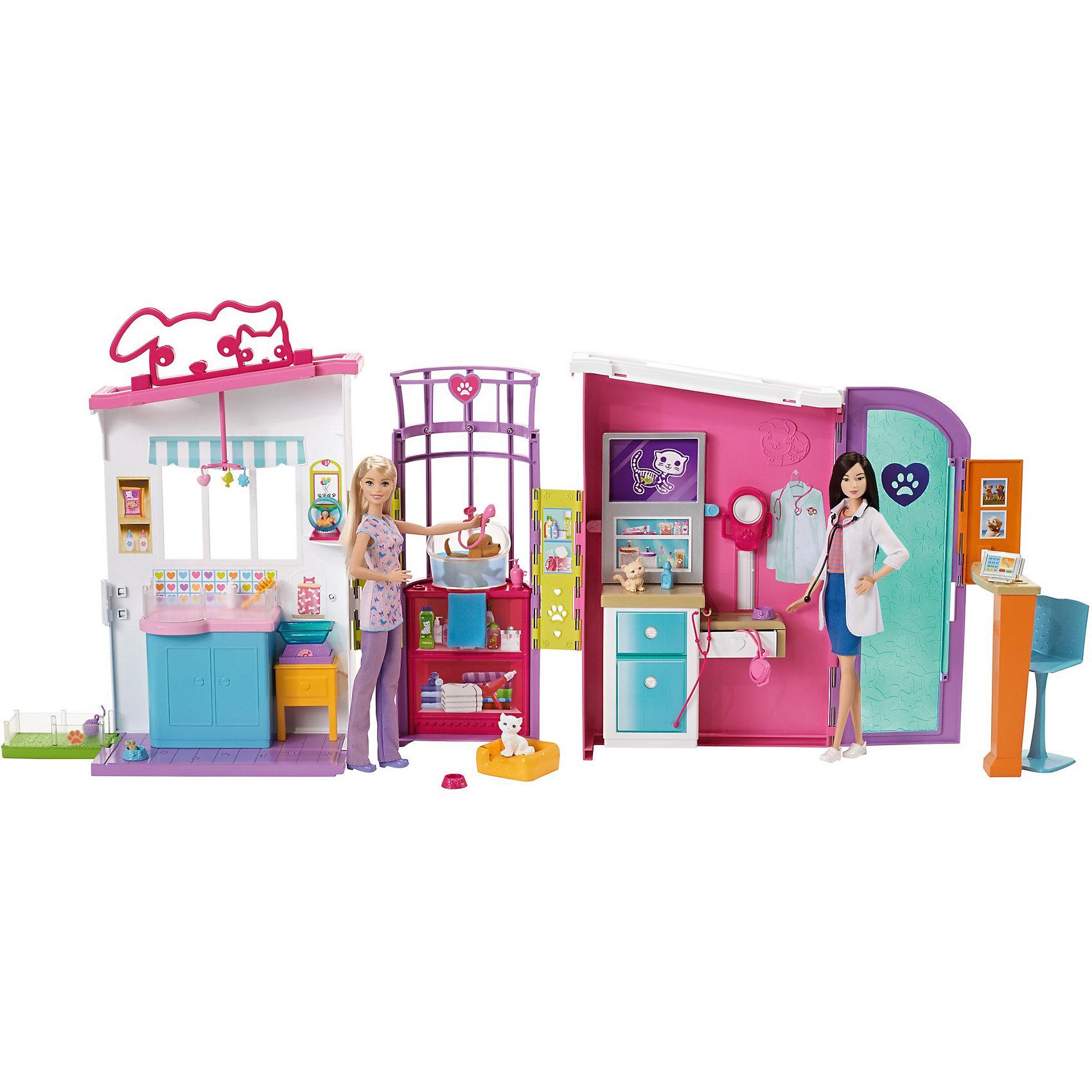 Игровой набор Barbie Ветеринарный центрДомики и мебель<br>Характеристики товара:<br><br>• возраст: от 3 лет<br>• тип игрушки: кукла с аксессуарами<br>• материал: пластик, текстиль;<br>• размер упаковки: 32,5X46X14,5<br>• страна бренда: США<br><br>В ярком наборе «Ветеринарный центр» четыре игровых пространства с?увлекательными возможностями, реалистичными декорациями и приятными аксессуарами. <br><br>Четыре пушистых пациента— щенок, кот, котенок и хомяк— готовы встретиться с доктором (кукла продается отдельно)! Запишись на прием на стойке регистрации, оснащенной компьютером и стулом. <br><br>Передвигай картинки на рентгене, чтобы увидеть изображения кота, собаки и хомяка. В парикмахерской животных приведут в порядок и искупают в специальной ванне. После мытья животные могут отдохнуть в комнате отдыха или сделать свои дела на маленькой лужайке. <br><br>В наборе есть лежанка для животных, миски и бутылочки, лакомства и игрушки, принадлежности для ухода за шерстью и стетоскоп.<br><br>Игровой набор Barbie Ветеринарный центр можно купить в нашем интернет-магазине.<br><br>Ширина мм: 482<br>Глубина мм: 337<br>Высота мм: 162<br>Вес г: 2498<br>Возраст от месяцев: 36<br>Возраст до месяцев: 72<br>Пол: Женский<br>Возраст: Детский<br>SKU: 6746579