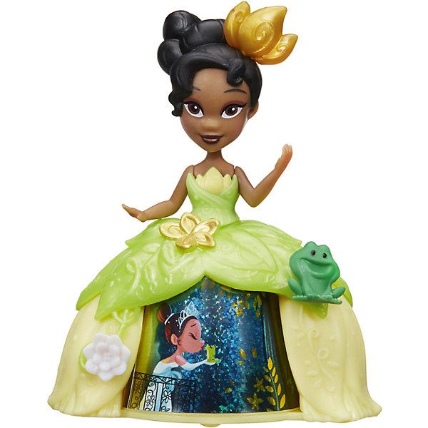 Кукла Принцесса в платье с волшебной юбкой Тиана, Принцессы Дисней, HasbroИдеи подарков<br>Характеристики:<br><br>• возраст: от 4 лет;<br>• материал: пластик;<br>• в комплекте: кукла;<br>• размер упаковки: 17,8х17,8х5,7 см;<br>• вес упаковки: 104 гр.;<br>• страна производитель: Китай.<br><br>Кукла «Принцесса в платье с волшебной юбкой» Hasbro — главная героиня мультфильма Дисней «Принцесса и лягушка» принцесса Тиана. Тиана одета в зеленое платье с необычной волшебной юбкой. Если покатить куклу, то девочка сможет увидеть, как 3 известные сценки из мультфильма сменяют друг друга. <br><br>Куклу «Принцесса в платье с волшебной юбкой» Hasbro можно приобрести в нашем интернет-магазине.<br>Ширина мм: 57; Глубина мм: 178; Высота мм: 178; Вес г: 104; Возраст от месяцев: 48; Возраст до месяцев: 2147483647; Пол: Женский; Возраст: Детский; SKU: 6753125;