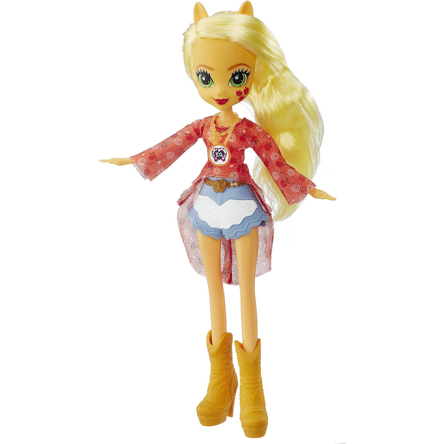 Кукла Эквестрия Герлз Легенды вечнозеленого леса - ЭпплджекКуклы-модели<br>Характеристики:<br><br>• возраст: от 5 лет;<br>• материал: пластик;<br>• в комплекте: кукла, наряд, ожерелье;<br>• высота куклы: 22 см;<br>• размер упаковки: 33,5х14х5 см;<br>• вес упаковки: 200 гр.;<br>• страна производитель: Китай.<br><br>Кукла «Легенда Вечнозеленого леса» Hasbro — героиня известного мультсериала «Мой маленький пони. Девочки из Эквестрии» Эпплджек. Она одета в короткие голубые шортики, красную тунику и высокие сапожки. У куклы выразительные зеленые глаза и длинные мягкие желтые волосы. Дополняет образ Эпплджек необычное ожерелье. На ожерелье имеется код, который поможет разблокировать увлекательную игру в приложении Equestria Girls.<br><br>Куклу «Легенда Вечнозеленого леса» Hasbro можно приобрести в нашем интернет-магазине.<br><br>Ширина мм: 50<br>Глубина мм: 140<br>Высота мм: 335<br>Вес г: 200<br>Возраст от месяцев: 60<br>Возраст до месяцев: 2147483647<br>Пол: Женский<br>Возраст: Детский<br>SKU: 6753133