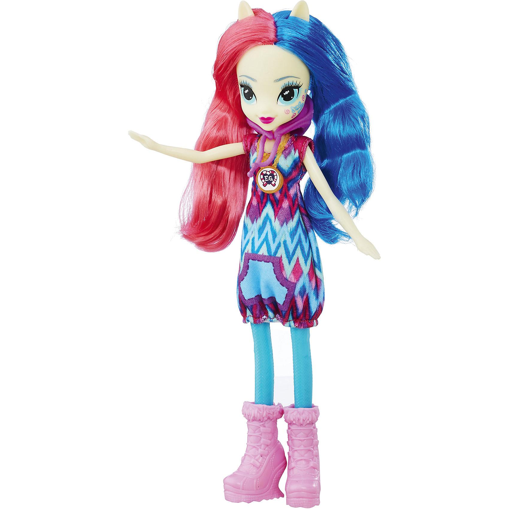 Кукла Эквестрия Герлз Легенды вечнозеленого леса - Свити ДропсКуклы-модели<br>Характеристики:<br><br>• возраст: от 5 лет;<br>• материал: пластик;<br>• в комплекте: кукла, наряд, ожерелье;<br>• высота куклы: 22 см;<br>• размер упаковки: 30,4х14х5 см;<br>• вес упаковки: 209 гр.;<br>• страна производитель: Китай.<br><br>Кукла «Легенда Вечнозеленого леса» Hasbro — героиня известного мультсериала «Мой маленький пони. Девочки из Эквестрии» Свити Дропс. Она одета в разноцветное платье и розовые туфельки. У куклы выразительные голубые глаза и длинные разноцветные волосы. Дополняет образ героини необычное ожерелье. На ожерелье имеется код, который поможет разблокировать увлекательную игру в приложении Equestria Girls.<br><br>Куклу «Легенда Вечнозеленого леса» Hasbro можно приобрести в нашем интернет-магазине.<br><br>Ширина мм: 50<br>Глубина мм: 140<br>Высота мм: 304<br>Вес г: 209<br>Возраст от месяцев: 60<br>Возраст до месяцев: 2147483647<br>Пол: Женский<br>Возраст: Детский<br>SKU: 6753143