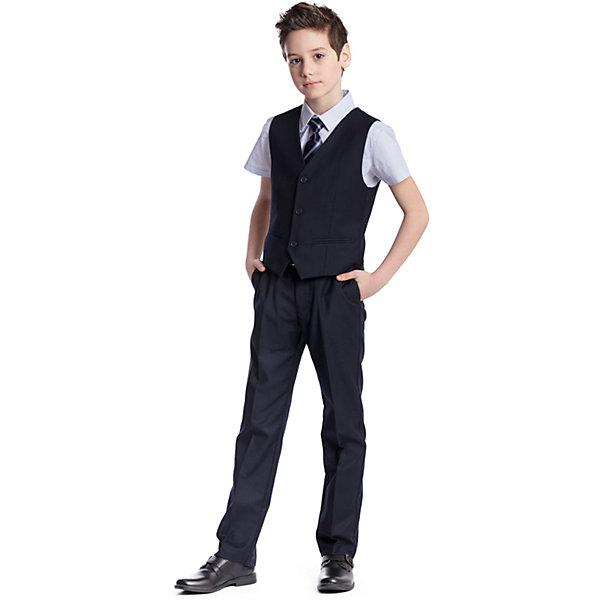 Комплект  для мальчика: брюки, жилет ScoolКомплекты<br>Комплект  для мальчика: брюки, жилет Scool<br>Удобный практичный комплект из жилета и брюк в деловом стиле сможет быть как школьной формой, так и одеждой для официальных мероприятий.  Лекало этой модели полностью повторяет лекало модели для взрослого мужчины. Регулируемый ремешок на спинке жилета позволяет изделию хорошо сесть по фигуре. Брюки со стрелками; на внутренней стороне пояса предусмотрена регулировка по талии за счет удобной резинки на пуговицах.Преимущества: Жилет на подкладке из атласной тканиБрюки со шлевками, при необходимости можно использовать ремень<br>Состав:<br>Верх: 65% полиэстер, 35% вискоза, Подкладка: 65% полиэстер 35% вискоза<br><br>Ширина мм: 215<br>Глубина мм: 88<br>Высота мм: 191<br>Вес г: 336<br>Цвет: синий<br>Возраст от месяцев: 72<br>Возраст до месяцев: 84<br>Пол: Мужской<br>Возраст: Детский<br>Размер: 122,164,158,152,146,140,134,128<br>SKU: 6754399