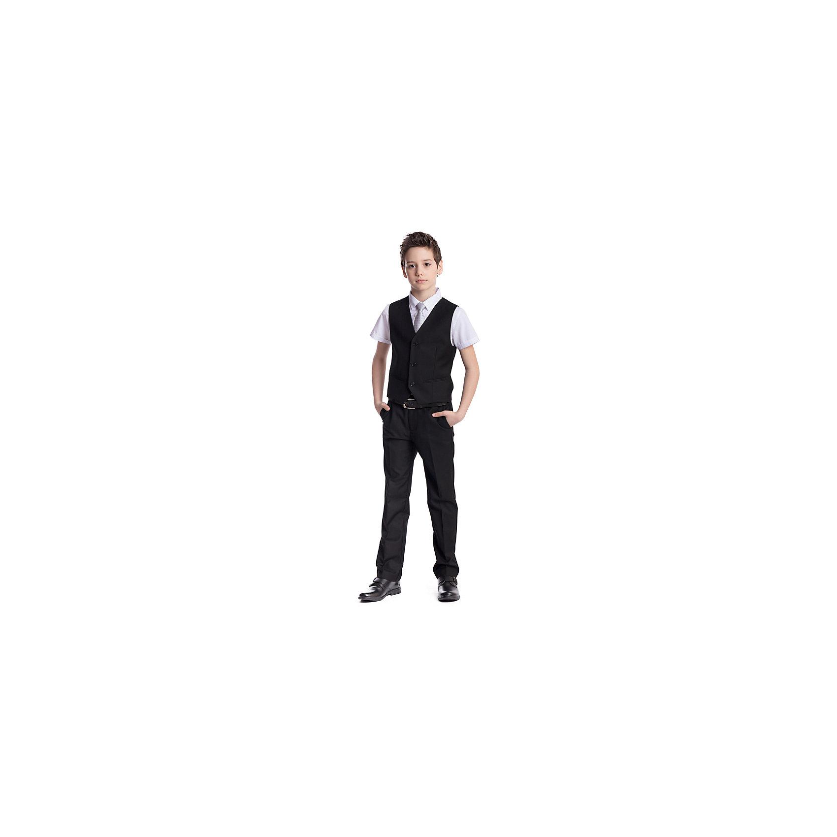 Комплект  для мальчика: брюки, жилет ScoolКостюмы и пиджаки<br>Комплект  для мальчика: брюки, жилет Scool<br>Удобный практичный комплект из жилета и брюк в деловом стиле сможет быть как школьной формой, так и одеждой для официальных мероприятий.  Лекало этой модели полностью повторяет лекало модели для взрослого мужчины. Регулируемый ремешок на спинке жилета позволяет изделию хорошо сесть по фигуре. Брюки со стрелками; на внутренней стороне пояса предусмотрена регулировка по талии за счет удобной резинки на пуговицах.Преимущества: Жилет на подкладке из атласной тканиБрюки со шлевками, при необходимости можно использовать ремень<br>Состав:<br>Верх: 65% полиэстер, 35% вискоза, Подкладка: 65% полиэстер 35% вискоза<br><br>Ширина мм: 215<br>Глубина мм: 88<br>Высота мм: 191<br>Вес г: 336<br>Цвет: черный<br>Возраст от месяцев: 156<br>Возраст до месяцев: 168<br>Пол: Мужской<br>Возраст: Детский<br>Размер: 164,122,128,134,140,146,152,158<br>SKU: 6754408