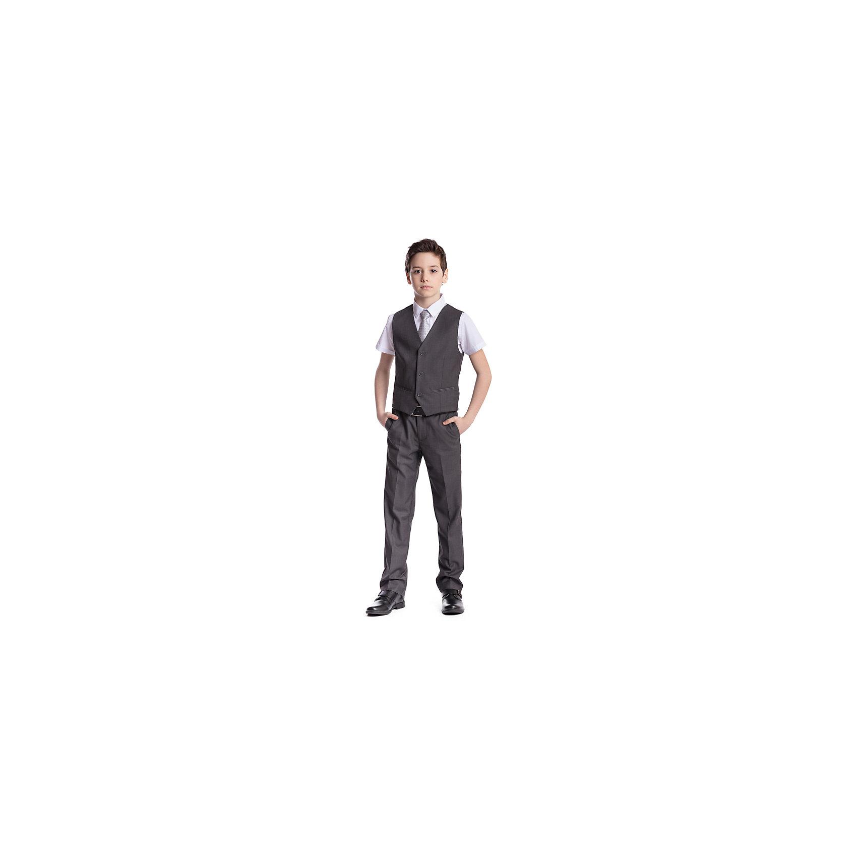 Комплект  для мальчика: брюки, жилет ScoolПиджаки и костюмы<br>Комплект  для мальчика: брюки, жилет Scool<br>Удобный практичный комплект из жилета и брюк в деловом стиле сможет быть как школьной формой, так и одеждой для официальных мероприятий.  Лекало этой модели полностью повторяет лекало модели для взрослого мужчины. Регулируемый ремешок на спинке жилета позволяет изделию хорошо сесть по фигуре. Брюки со стрелками; на внутренней стороне пояса предусмотрена регулировка по талии за счет удобной резинки на пуговицах.Преимущества: Жилет на подкладке из атласной тканиБрюки со шлевками, при необходимости можно использовать ремень<br>Состав:<br>Верх: 65% полиэстер, 35% вискоза, Подкладка: 65% полиэстер 35% вискоза<br><br>Ширина мм: 215<br>Глубина мм: 88<br>Высота мм: 191<br>Вес г: 336<br>Цвет: серый<br>Возраст от месяцев: 72<br>Возраст до месяцев: 84<br>Пол: Мужской<br>Возраст: Детский<br>Размер: 122,128,134,140,146,152,158,164<br>SKU: 6754417