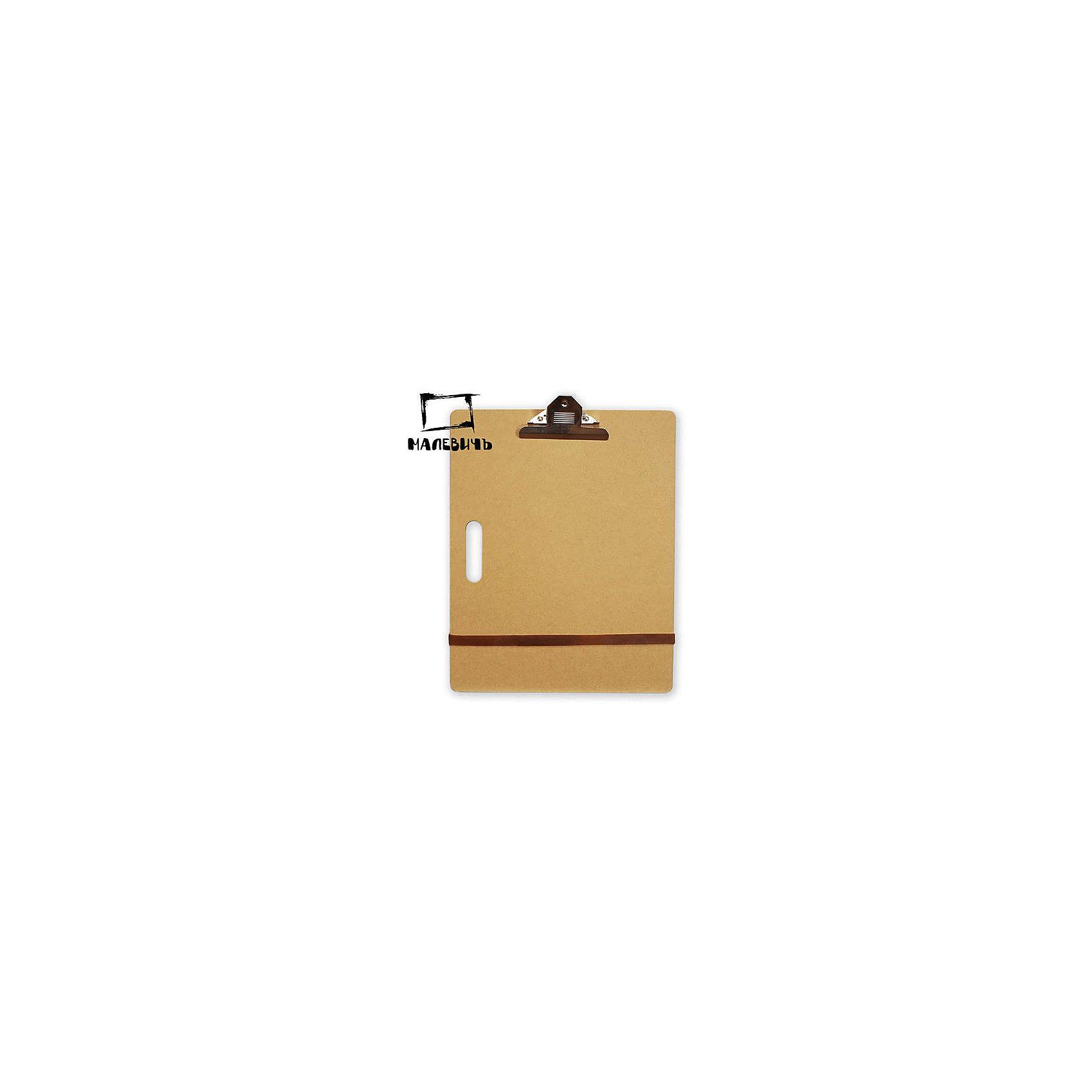 Планшет с зажимом А3 (36х46 см)Холсты<br>Изготовленный из экологически чистого МДФ,  легкий и практичный планшет (клипборд) Малевичъ - настоящая находка для любителей эскизов и выездов на пленэр. Оснащен большим зажимом для бумаги, надежно удерживающими ее даже при сильном ветре. Небольшая толщина основы позволяет дополнительно закреплять лист необходимым количеством зажимов.  Гладкая поверхность подходит для работы с самой тонкой бумагой и гарантирует легкое скольжение карандашей, перьев или мелков. Небольшой формат А3 удобен для переноски, работы и хранения. Планшет подходит для любых графических материалов и имеет встроенную ручку для удобства переноски. Особенно пригодится такой клипборд студентам творческих специальностей и  художникам, любящим делать наброски на пленэре. <br><br>Планшет Малевичъ:<br><br>•    прочный и легкий<br>•    с идеально гладкой поверхностью <br>•    имеет удобную ручку для переноски и встроенный зажим для бумаги<br>•    не занимает  много места при хранении<br>•    подходит для работы на открытом воздухе и в студии<br><br>Ширина мм: 460<br>Глубина мм: 365<br>Высота мм: 5<br>Вес г: 710<br>Возраст от месяцев: 84<br>Возраст до месяцев: 2147483647<br>Пол: Унисекс<br>Возраст: Детский<br>SKU: 6757453