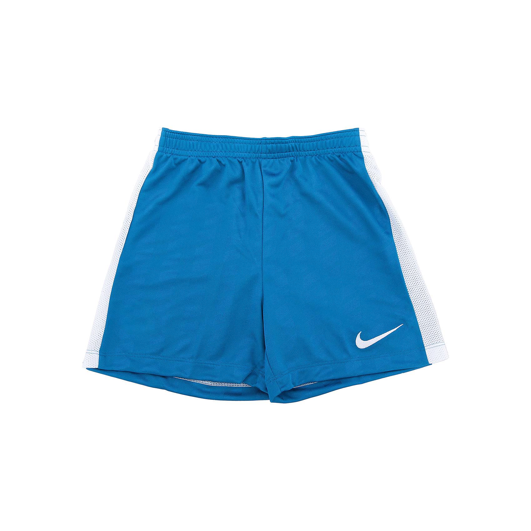 Шорты Nike Y NK Acdmy Short Jaq K,Шорты, бриджи, капри<br>Характеристики товара:<br><br>• цвет: голубой<br>• состав: 100% полиэстер<br>• шнурок в талии<br>• эластичный пояс<br>• мягкие швы не натирают<br>• страна бренда: США<br>• страна изготовитель: Индонезия<br><br>Спортивные шорты для мальчика от бренда Nike. Шорты для занятий футболом и другими видами активных спортивных игр.<br><br>Шорты NIKE (Найк) можно купить в нашем интернет-магазине.<br><br>Ширина мм: 191<br>Глубина мм: 10<br>Высота мм: 175<br>Вес г: 273<br>Цвет: голубой<br>Возраст от месяцев: 168<br>Возраст до месяцев: 180<br>Пол: Мужской<br>Возраст: Детский<br>Размер: 158/170,122/128,128/134,135/140,147/158<br>SKU: 6758830