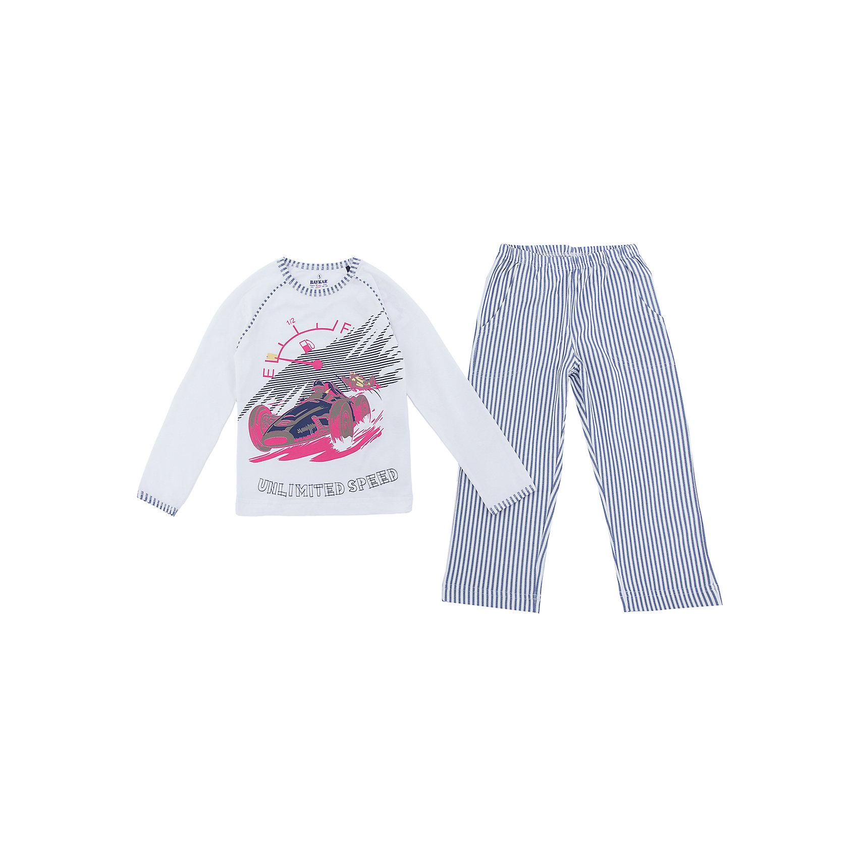Пижама для мальчика BaykarПижамы и сорочки<br>Характеристики товара:<br><br>• цвет: белый<br>• состав ткани: 95% хлопок; 5% эластан<br>• комплектация: кофта, брюки<br>• пояс брюк: резинка<br>• сезон: круглый год<br>• страна бренда: Турция<br>• страна изготовитель: Турция<br><br>Белая пижама для мальчика Baykar украшена симпатичным принтом. Этот комплект для сна из кофты и брюк сделан из мягкого дышащего материала. <br><br>Качественная пижама для мальчика позволяет обеспечить комфортный сон. Продуманный крой обеспечивает комфортную посадку. <br><br>Пижаму для мальчика Baykar (Байкар) можно купить в нашем интернет-магазине.<br><br>Ширина мм: 281<br>Глубина мм: 70<br>Высота мм: 188<br>Вес г: 295<br>Цвет: белый<br>Возраст от месяцев: 72<br>Возраст до месяцев: 84<br>Пол: Мужской<br>Возраст: Детский<br>Размер: 116/122,98/104,104/110,110/116<br>SKU: 6764757