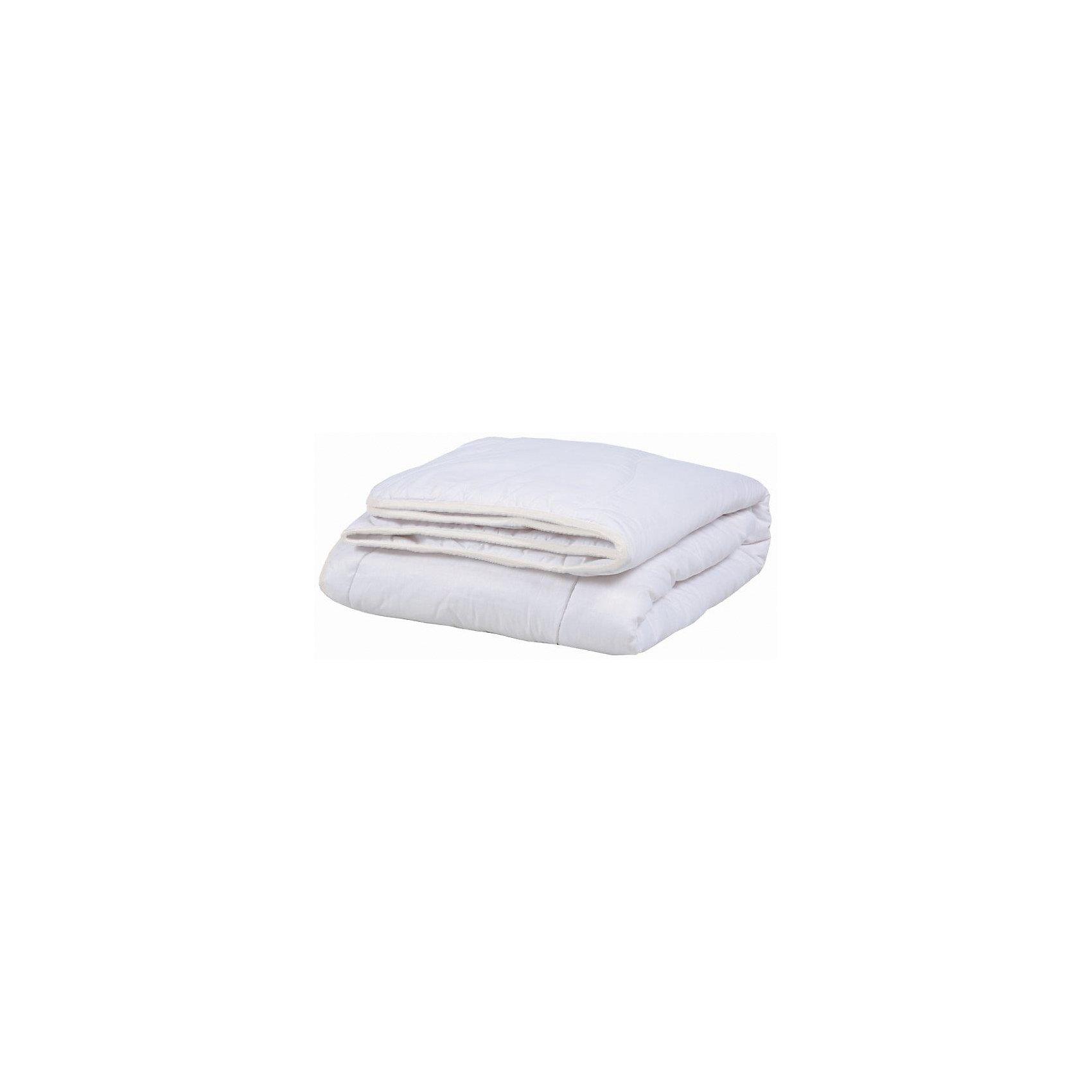 Одеяло 140*205 с хлопковым волокном, Mona LizaДомашний текстиль<br>Характеристики:<br><br>• размер одеяла: 140х205 см<br>• материал верха: шатель (50% хлопок, 50% полиэстер<br>• наполнитель: пласт (30% хлопок, 70% полиэфир)<br>• плотность наполнителя: 200 г/м2<br>• размер упаковки: 47х20х47 см<br>• вес: 1450 грамм<br><br>Одеяло Mona Liza с наполнителем из хлопкового волокна отлично подойдет даже для людей с чувствительной кожей. Оно пропускает воздух, впитывает лишнюю влагу и обладает гипоаллергенностью. Наполнитель не собирается в комки, практически не электризуется и обеспечивает правильную терморегуляцию.<br><br>Одеяло 140*205 с хлопковым волокном, Mona Liza (Мона Лиза) вы можете купить в нашем интернет-магазине.<br><br>Ширина мм: 470<br>Глубина мм: 200<br>Высота мм: 470<br>Вес г: 1450<br>Возраст от месяцев: 84<br>Возраст до месяцев: 600<br>Пол: Унисекс<br>Возраст: Детский<br>SKU: 6765296