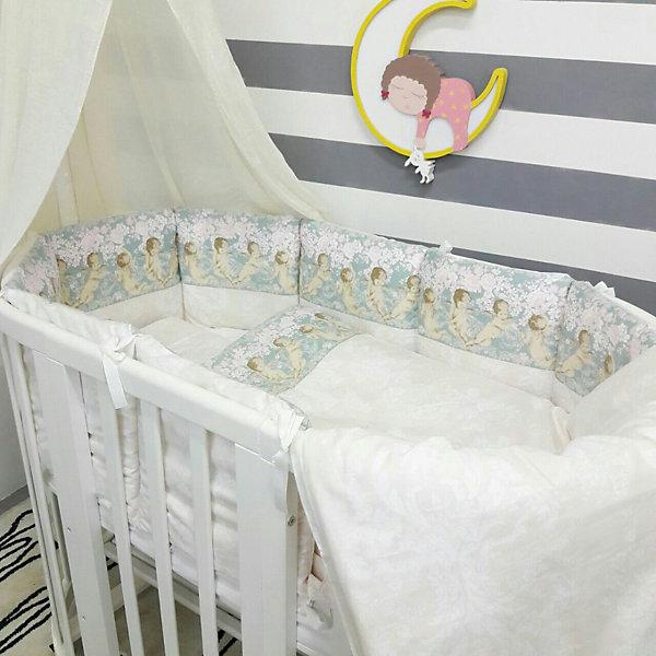 Постельное белье для круглых кроваток Ангелы, 7 предм., by TwinzПостельное белье в кроватку новорождённого<br>Характеристики:<br><br>• Материал: хлопок, 100% <br>• Тематика рисунка: ангелы<br>• Комплектация: <br> пододеяльник 105*145 см – 1 шт. <br> одеяло на холлофайбере 100*140 см – 1 шт. <br> простынь на резинке 70*80 см – 1 шт. <br> простынь на резинке 70*120 см – 1 шт. <br> наволочка 36*46 см – 1 шт. <br> подушка на холлофайбере 35*45 см – 1 шт. <br> бортики в виде подушек с завязками – 10 шт.<br>• Вес комплекта: 3 кг<br>• Размеры упаковки (Д*В*Ш): 58*58*18 см<br>• Особенности ухода: машинная стирка на щадящем режиме <br><br>Постельное белье представляет собой расширенную комплектацию – одеяло и подушка, пододеяльник, простыни и наволочка, бортики. Размеры изделий предназначены для детской кроватки круглой или овальной формы. <br><br>Постельное белье изготовлено из натурального хлопка, который обеспечивает комфорт и удобство для сна. Натуральная ткань обладает высокими гигиеническими свойствами и повышенной износоустойчивостью.<br><br>Предусмотренные на простыни резинка и застежка на пододеяльнике позволяют изделиям надежно фиксироваться. В комплекте предусмотрены бортики в виде подушек, которые оснащены съемными наволочками с завязками. Постельное белье для круглых кроваток Ангелы, 7 предм., by Twinz выполнено в брендовом дизайне с принтом из ангелов.<br><br>Постельное белье Ангелы, 3 предм., by Twinz можно купить в нашем интернет-магазине.<br><br>Ширина мм: 580<br>Глубина мм: 580<br>Высота мм: 180<br>Вес г: 3000<br>Возраст от месяцев: 0<br>Возраст до месяцев: 36<br>Пол: Унисекс<br>Возраст: Детский<br>SKU: 6765393