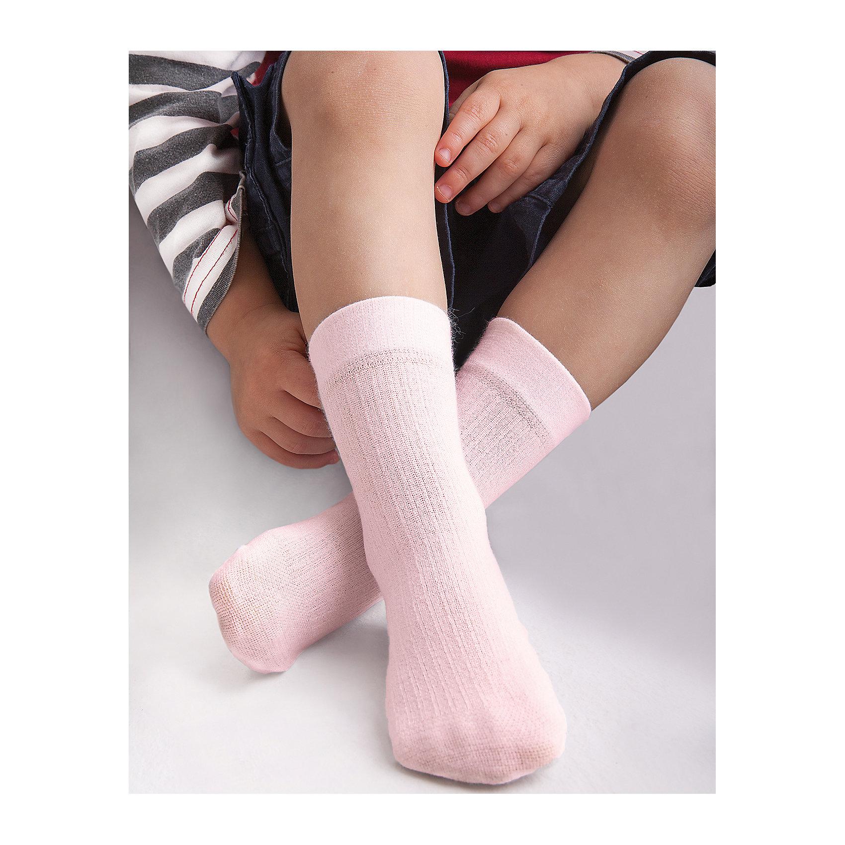 Носки для девочки KnittexНоски<br>Носки для девочки Knittex<br>Вискозные однотонные носки с продольным рельефным рисунком в виде мелкого рубчика. Плотные, мягкие и приятные на ощупь. Широкая резинка, не сдавливающая ногу. <br>Состав:<br>вискоза 65%,                                  полиамид 31%, эластан 4%<br><br>Ширина мм: 87<br>Глубина мм: 10<br>Высота мм: 105<br>Вес г: 115<br>Цвет: нежно-розовый<br>Возраст от месяцев: 12<br>Возраст до месяцев: 18<br>Пол: Женский<br>Возраст: Детский<br>Размер: 15-17,18-20<br>SKU: 6837357