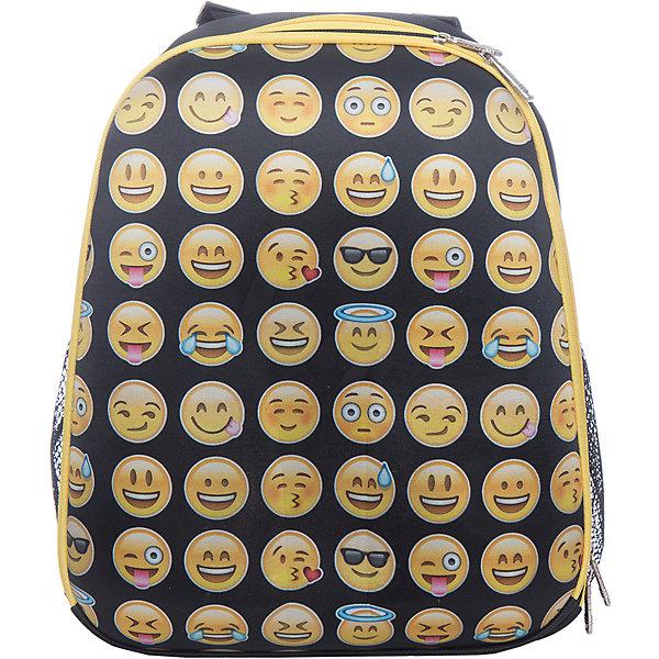 Рюкзак школьный каркасный СмайлыРюкзаки<br>Характеристики:<br><br>• размер: 37х17х31,5 см.;<br>• состав: полиэстер;<br>• вес: 900 г.;<br>• для детей в возрасте: от 6 лет;<br>• страна производитель: Китай.<br><br>Этот вместительный рюкзак, выполненный в стильном дизайне от бренда CENTRIUM (Центриум) отлично подойдёт для школы и внеклассных занятий. Рюкзак оснащён обширным отделением на молнии, в которое помещаются книги и тетради формата А4. Спереди расположен карман для тетрадей и канцелярских принадлежностей. По бокам имеются сетчатые карманы для мелочей или бутылочки воды.<br><br>Уплотнённая ортопедическая спинка пропускает воздух и приятна в использовании. Широкие и регулируемые лямки способствуют правильному распределению нагрузки на спину. С помощью качественно прошитой ручки рюкзак можно носить в руке или вешать на крючок. Благодаря своему каркасу, рюкзак сохраняет свою форму и в нём легче найти нужный предмет или книгу.<br><br>Рюкзак каркасный «Смайлы» можно купить в нашем интернет-магазине.<br>Ширина мм: 170; Глубина мм: 315; Высота мм: 370; Вес г: 900; Возраст от месяцев: 72; Возраст до месяцев: 2147483647; Пол: Унисекс; Возраст: Детский; SKU: 6842121;